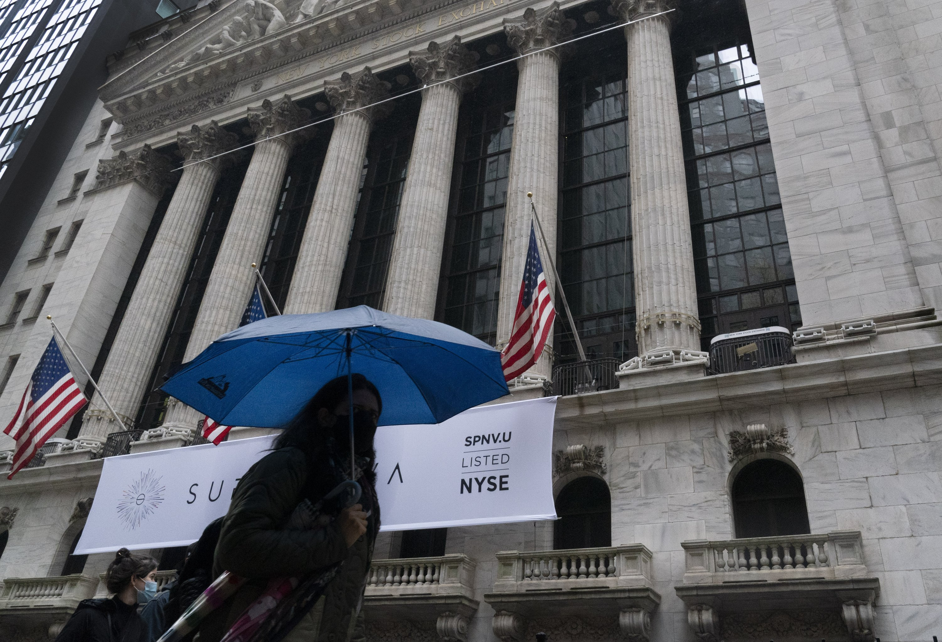 S&P 500 sinks 3.5% in biggest drop since June as surging coronavirus cases lead to shutdowns thumbnail