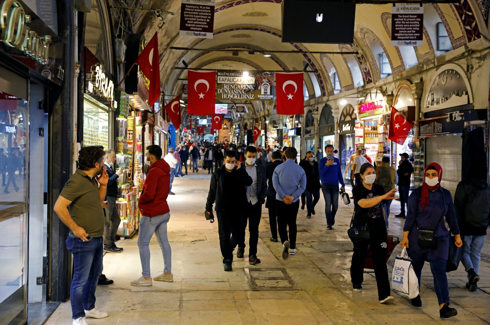 People wearing protective face masks walk in the Grand Bazaar in Istanbul, Turkey, June 1, 2020. (Reuters Photo)