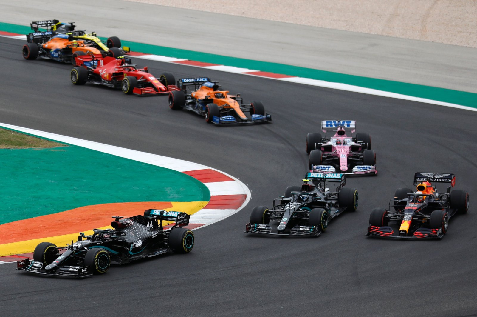 Lewis Hamilton leads the pack during Grand Prix in Portimao, Portugal, Oct. 25, 2020. (AFP Photo)