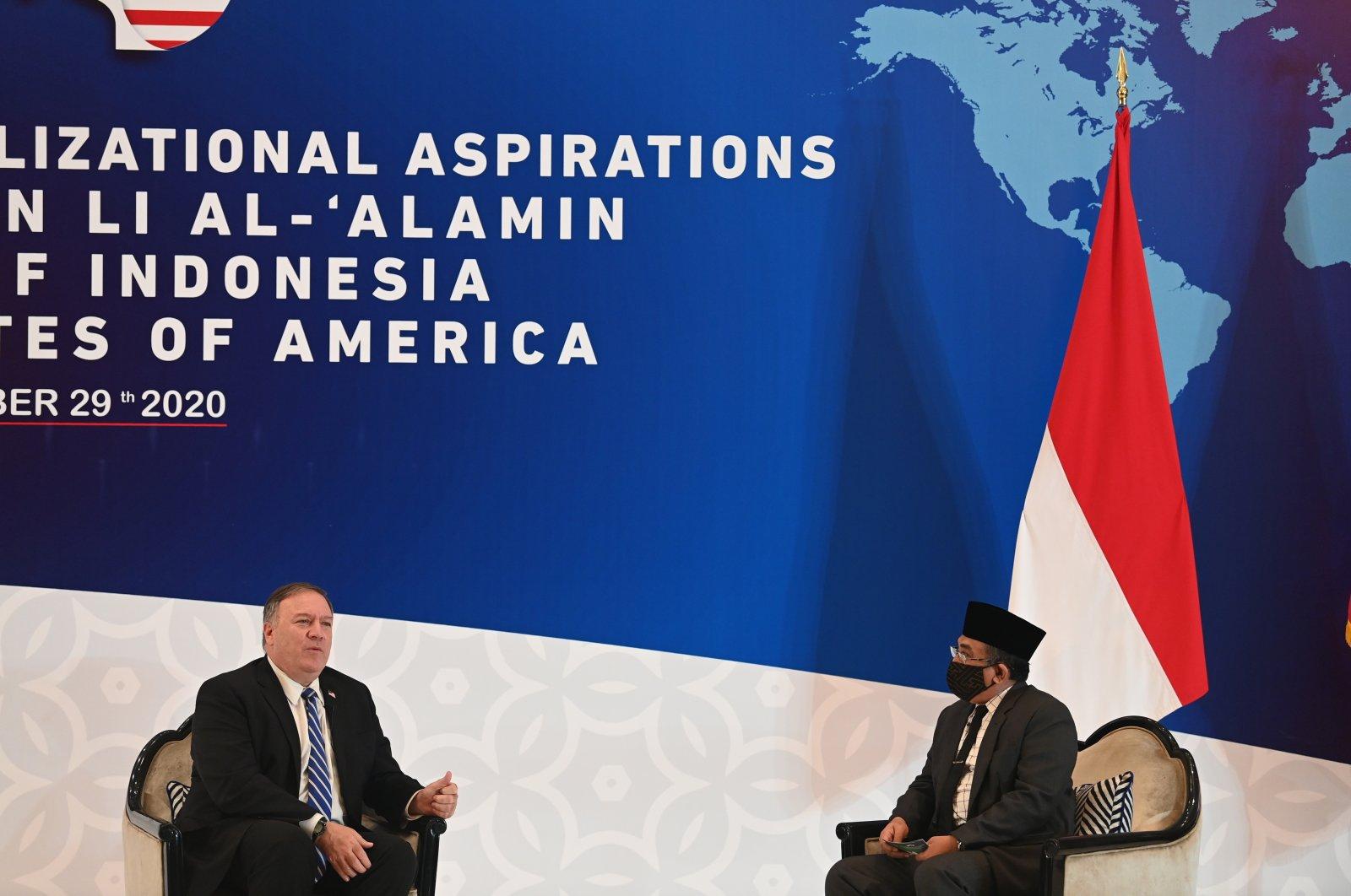 U.S. Secretary of State Mike Pompeo (L) and General Secretary of Nahdlatul Ulama Yahya Cholil Staquf hold a discussion at the Nahdlatul Ulama in Jakarta, Oct. 29, 2020. (AP Photo)
