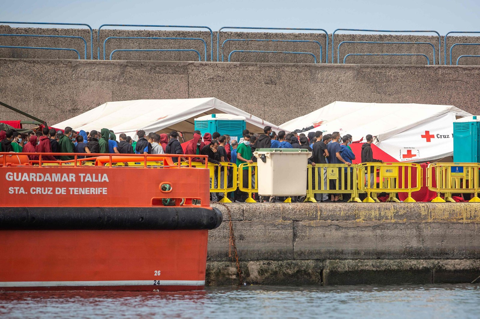 Migrants remain in the port of Arguineguin on the Spanish Canary island of Gran Canaria, Oct. 25, 2020. (AFP Photo)