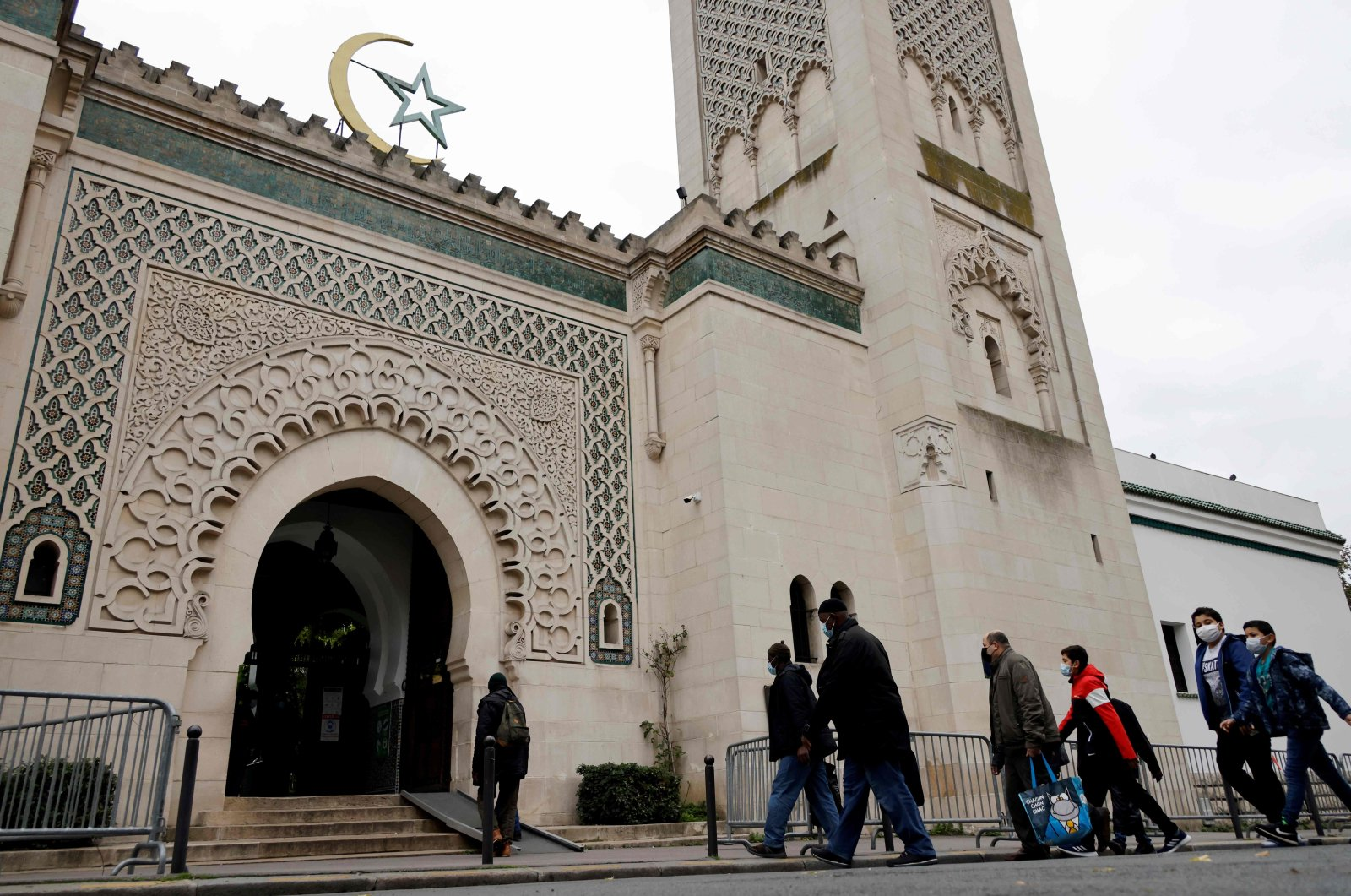 Muslims arrive at the Great Mosque of Paris for the friday prayers, France, Oct. 30, 2020. (AFP Photo)