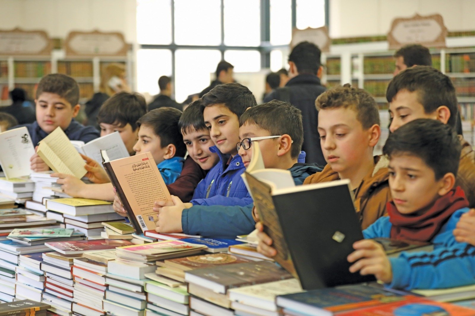 Children visit one of the previous editions of the International Turkey Arabic Book and Culture Days.