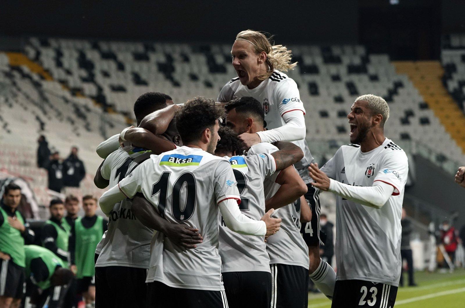 Beşiktaş players celebrate a goal during the Süper Lig match against Yeni Malatyaspor, in Istanbul, Turkey, Nov. 1, 2020. (IHA Photo)