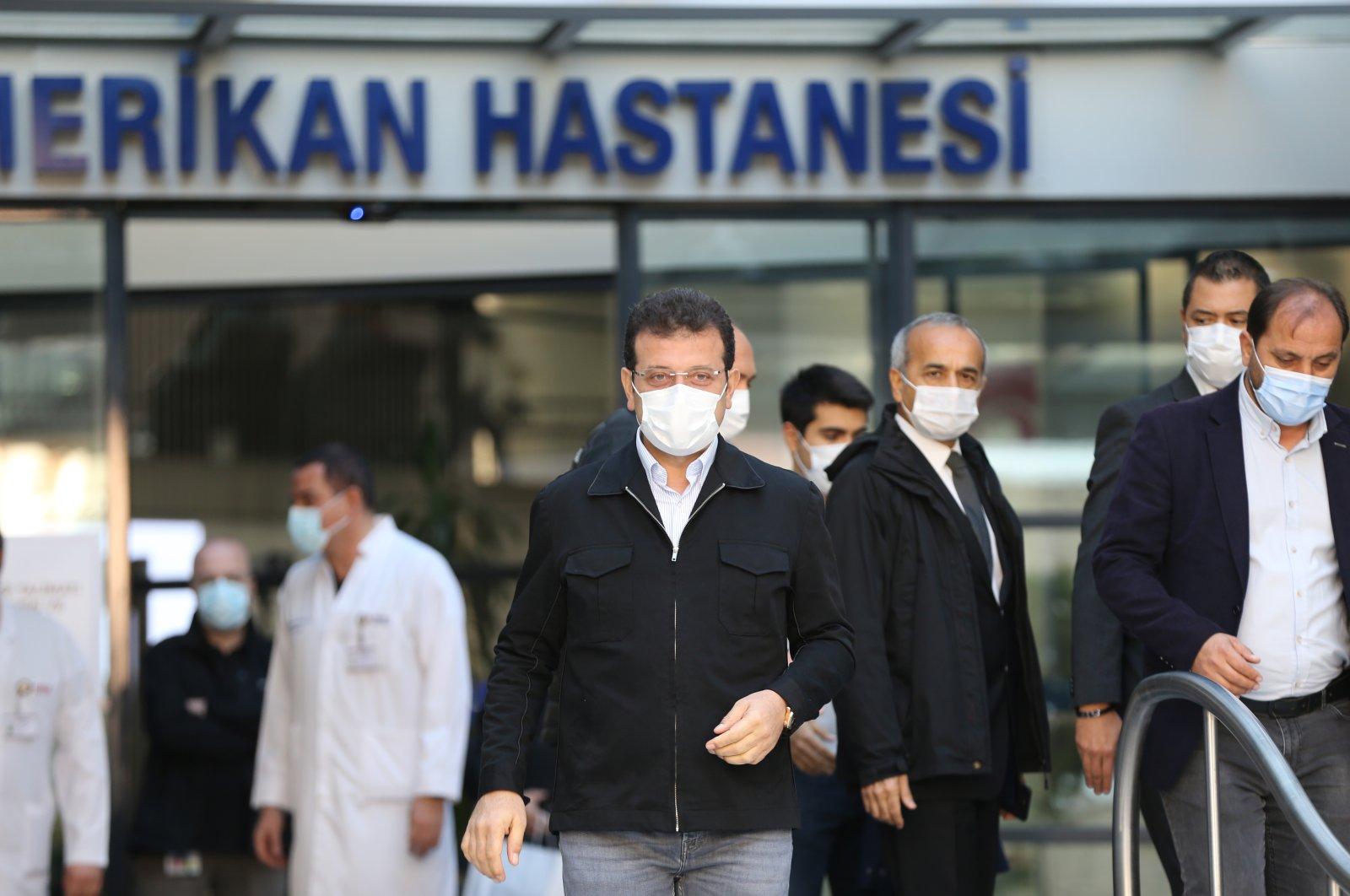Mayor Ekrem Imamoğlu leaves the hospital, in Istanbul, Turkey, Nov. 2, 2020. (AA Photo)