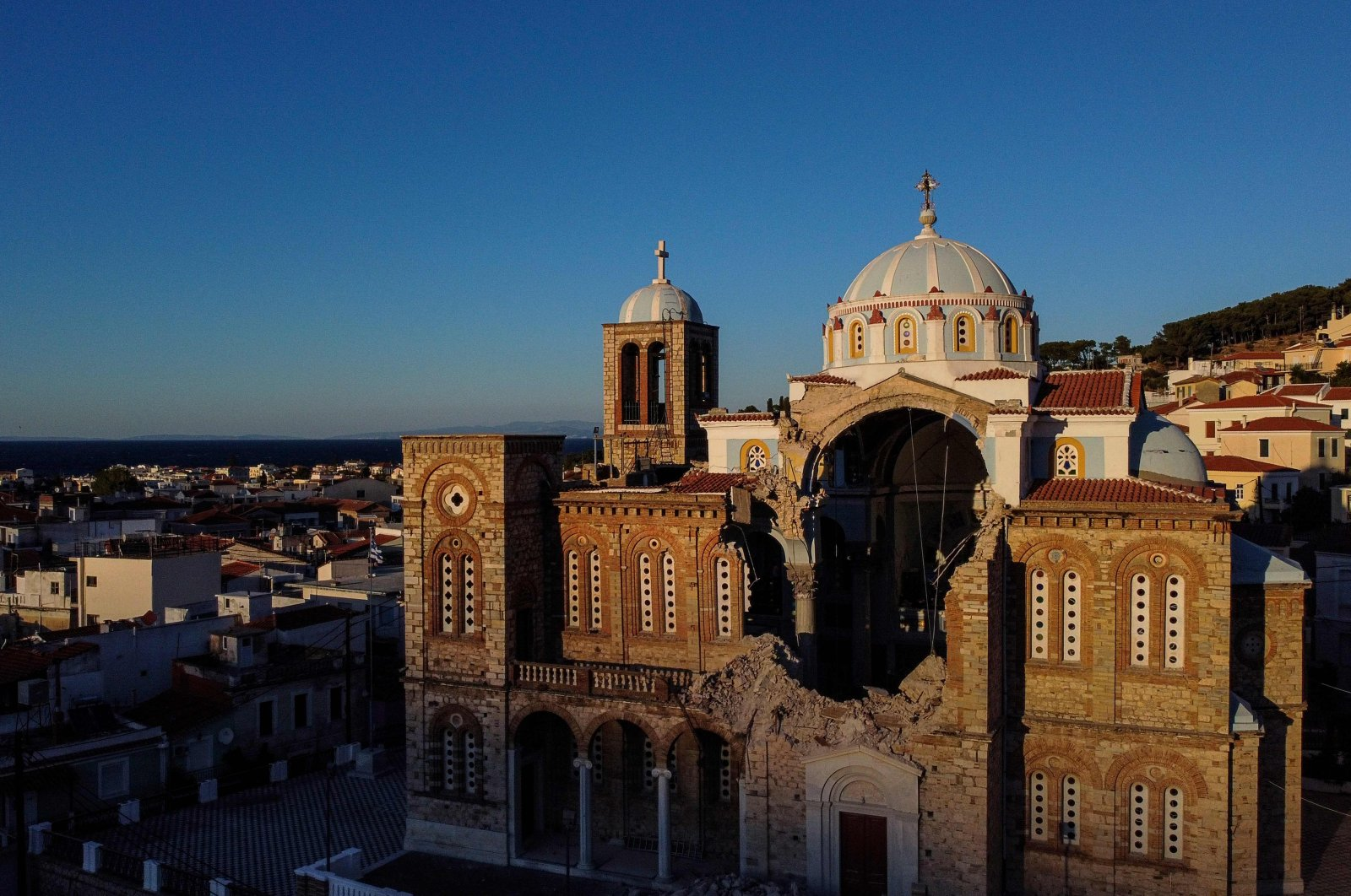 This photograph taken on October 31, 2020 shows the damaged Greek Orthodox church of Karlovasi on the island of Samos, a day after a powerful earthquake struck parts of Greece and Turkey's western coast. (AFP Photo)