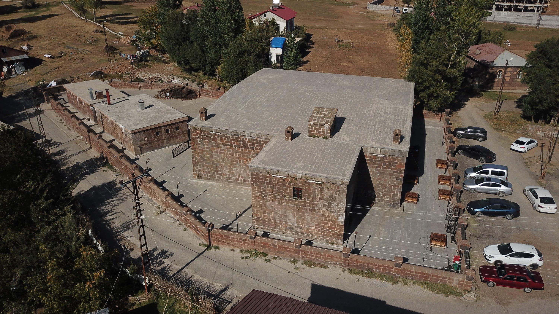 An aeriel photo of the Başhan Inn, Bitlis, eastern Turkey, Nov. 5, 2020. (AA Photo)