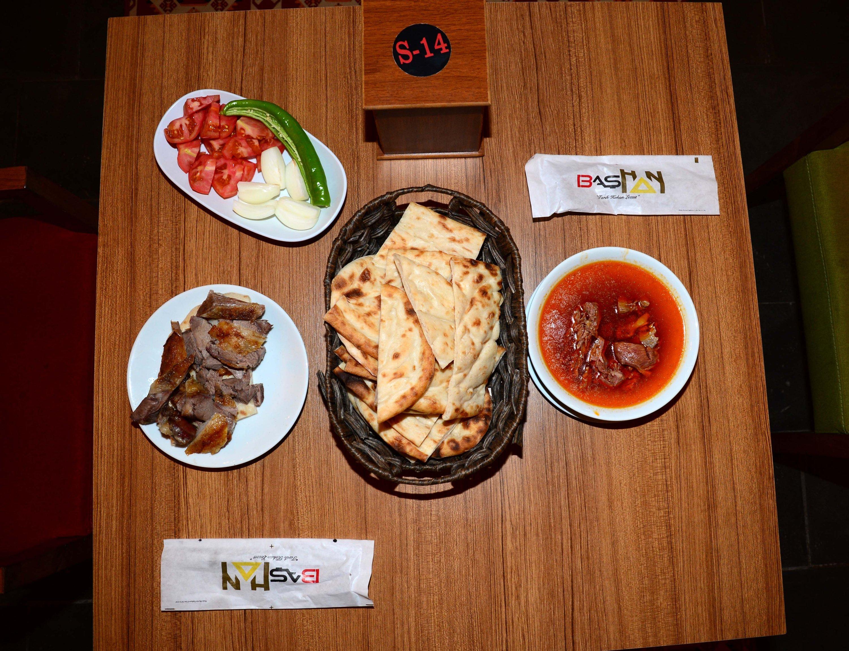 Local Büryan kebab and avşor soup at the Başhan Inn, Bitlis, eastern Turkey, Nov. 5, 2020. (AA Photo)