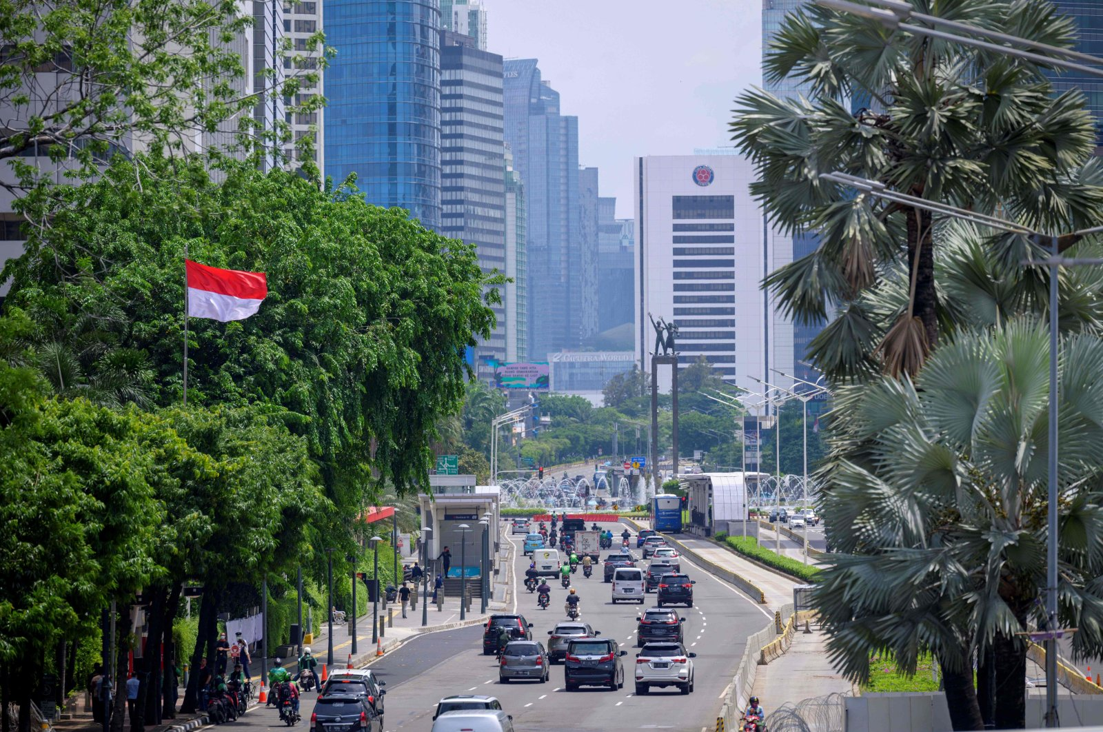 Vehicles seen during a light traffic along a main road after months of the government's policy implementing work from home, Jakarta, Indonesia, Oct. 30, 2020. (AFP Photo)