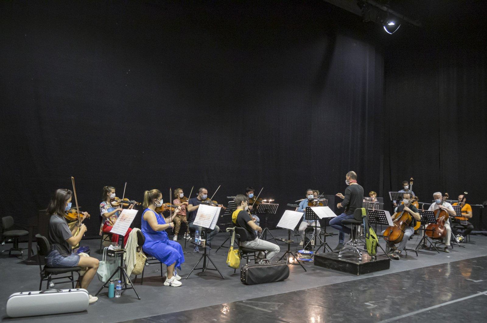 A photo from the rehersals of the Antalya State Opera, Antalya, southern Turkey, Nov. 4, 2020. (AA PHOTO)