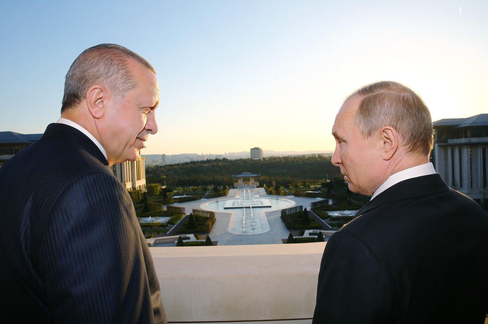 President Recep Tayyip Erdoğan welcomes his Russian counterpart Vladimir Putin at the Beştepe Presidential Complex during a visit in Ankara, on April 03, 2018. (Turkish Presidency via AA)