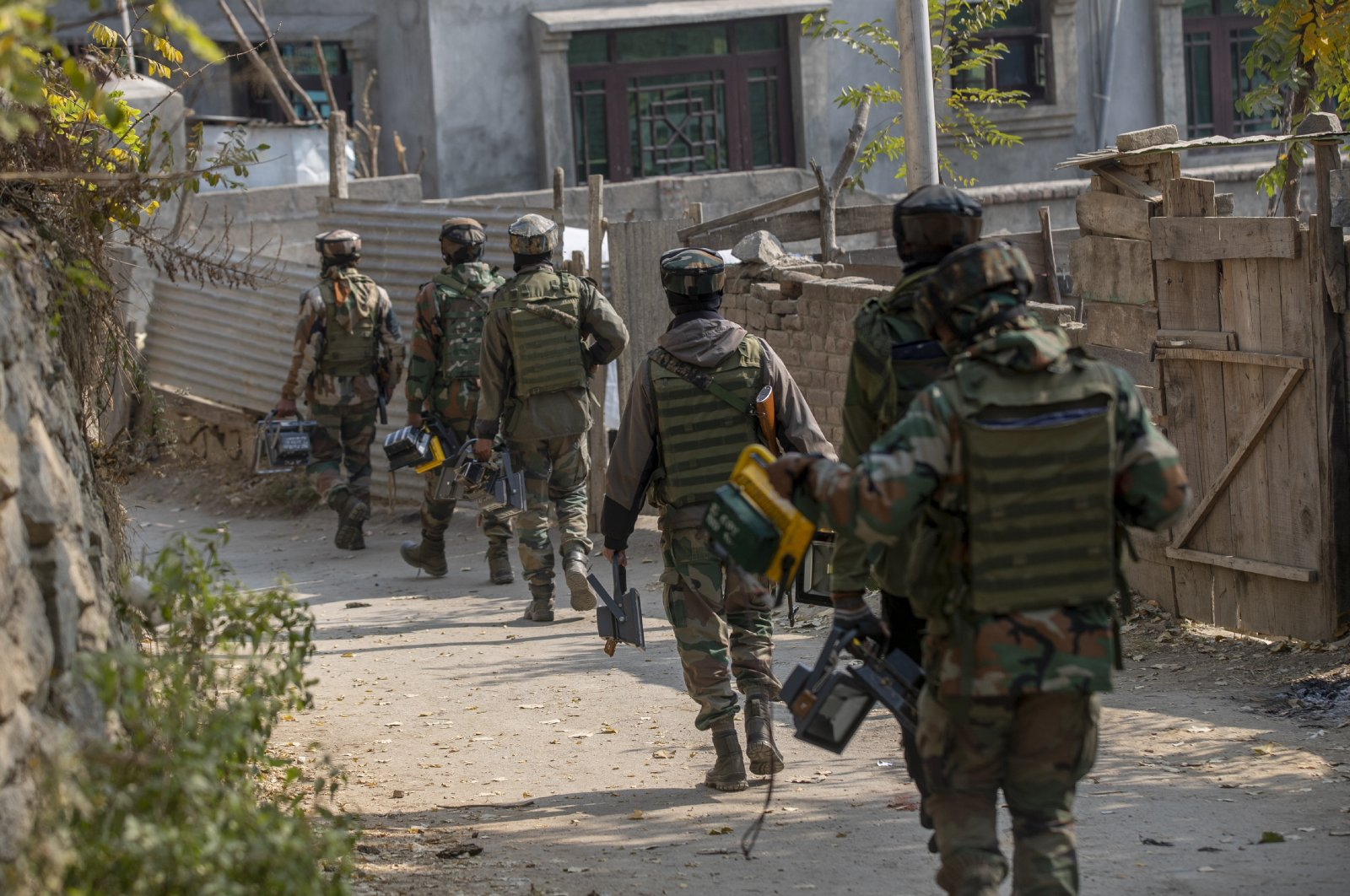Indian troops in Meej village, south of Srinagar, Jammu and Kashmir, Nov. 6, 2020. (AP Photo)