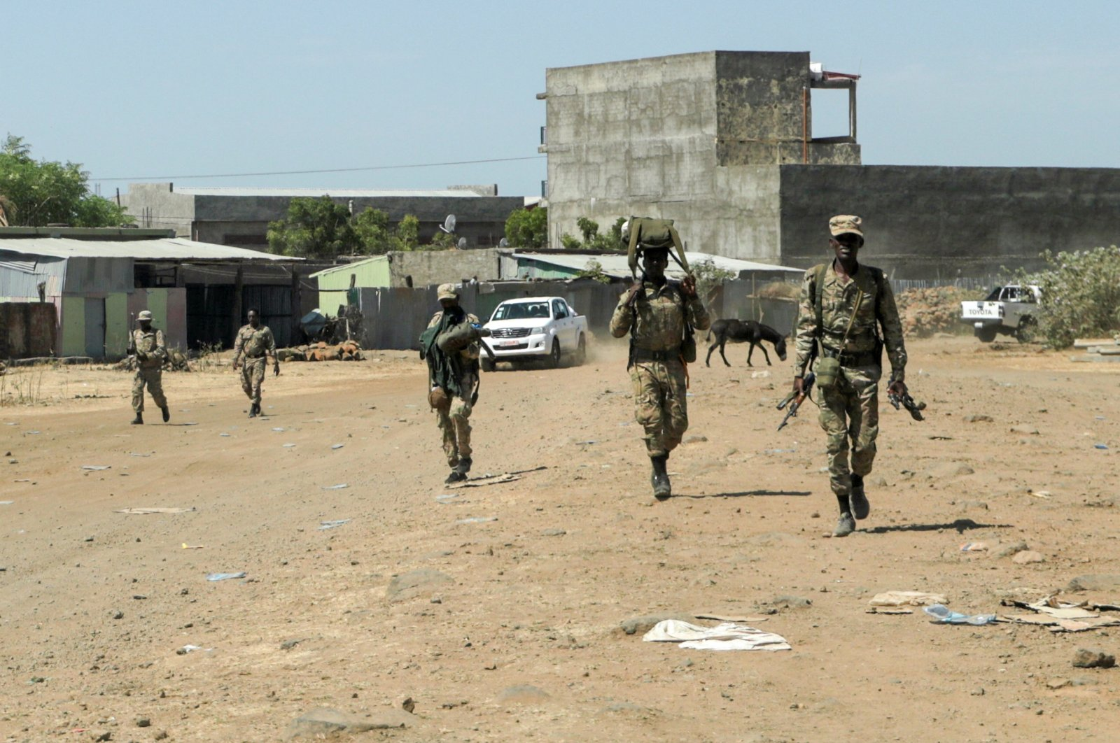 Members of the Amhara Special Force return to the Dansha Mechanized 5th division Military base after fighting against the Tigray People's Liberation Front (TPLF), Danasha, Amhara region near a border with Tigray, Nov. 9, 2020. (REUTERS Photo)