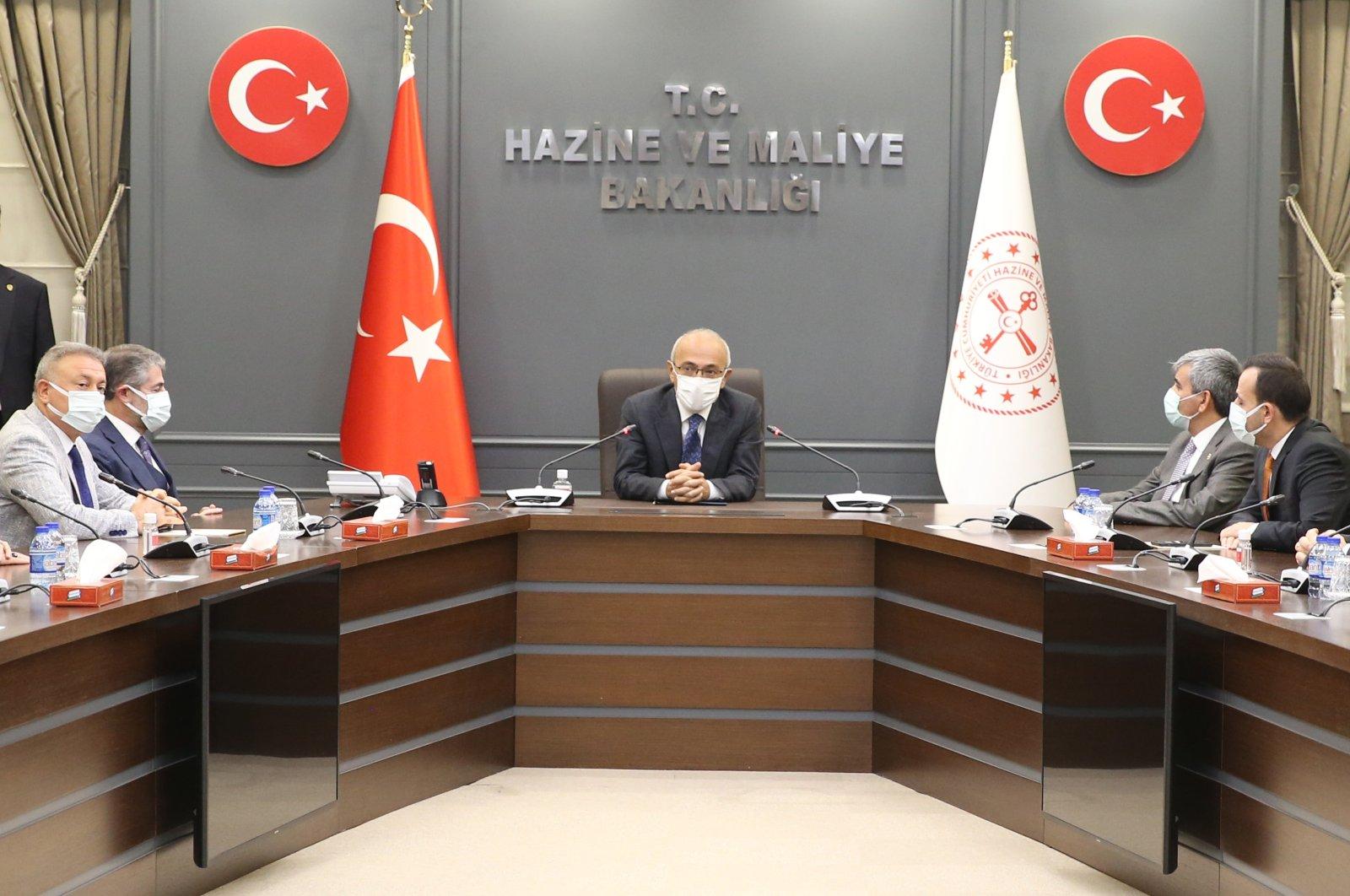 Treasury and Finance Minister Lütfi Elvan at the ministry headquarters in the capital Ankara, Turkey, Nov. 10, 2020. (AA Photo)