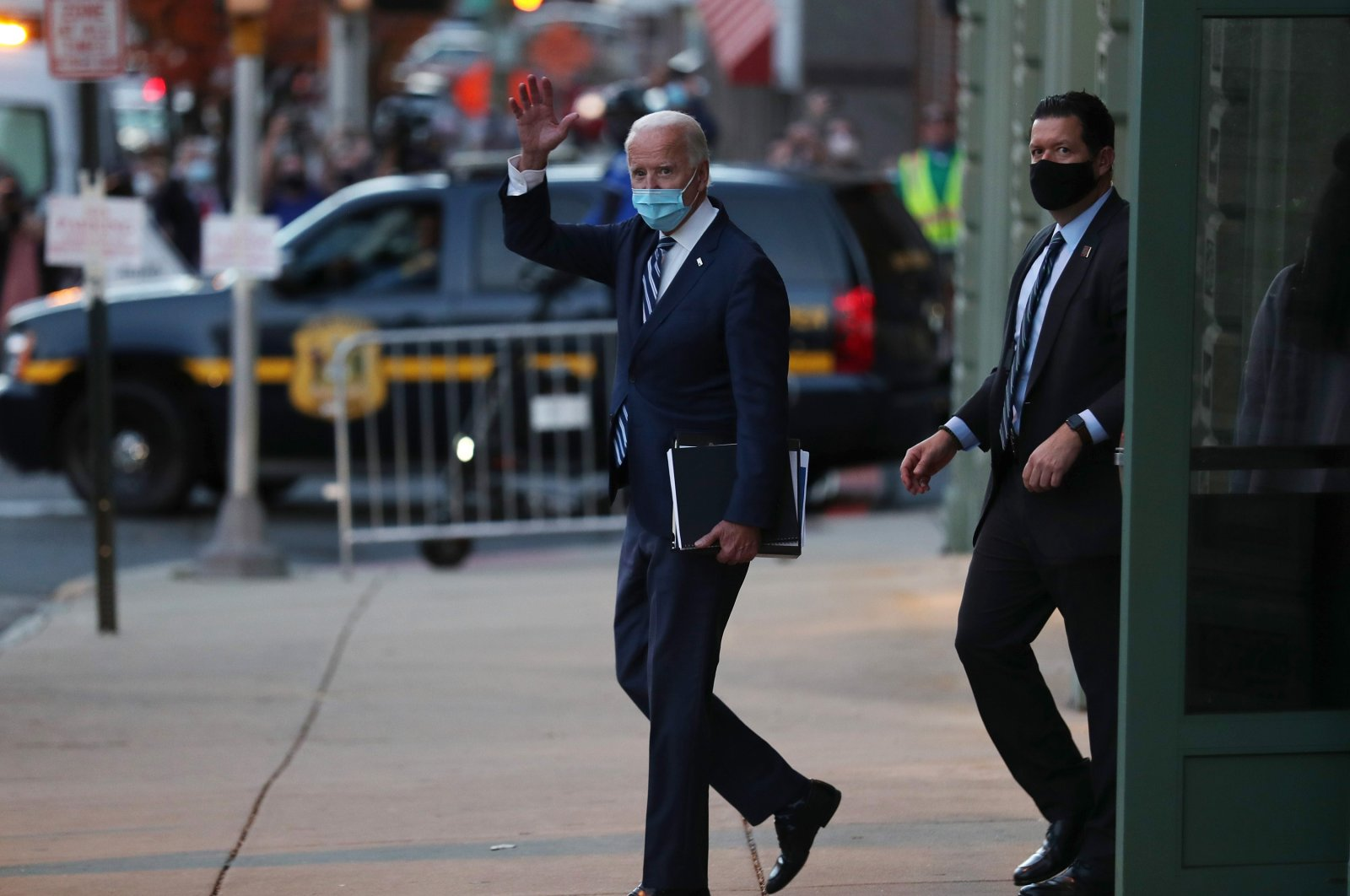 U.S. President-elect Joe Biden waves as he leaves the Queen Theater, in Wilmington, Delaware, the U.S., Nov. 10, 2020. (AFP Photo)