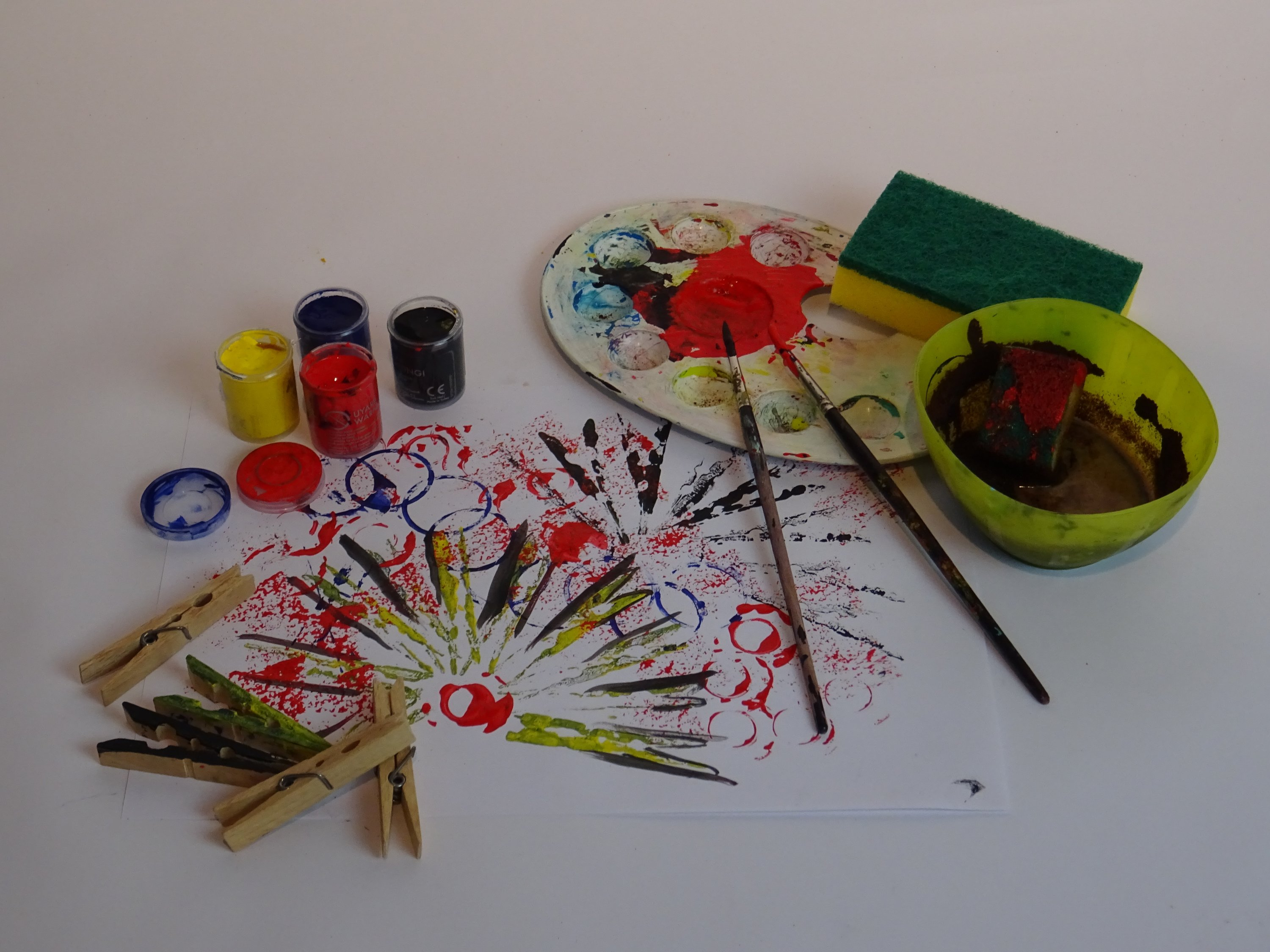 In the printmaking workshop, children will learn the history, types and tools of printmaking.