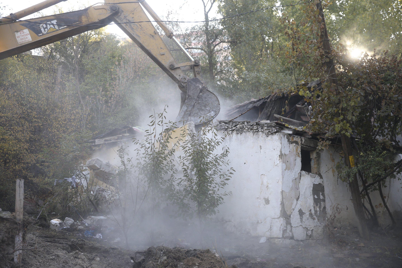 Ankara demolishes decrepit buildings, eliminating potential drug use venues