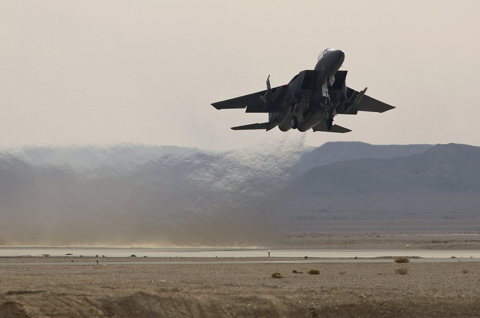 A Greek F-15 BI52 fighter jet takes off from Ovda airbase, some 40 km (25 miles) north of Eilat, during the Blue Flag drill Nov.25, 2013. (Reuters File Photo)