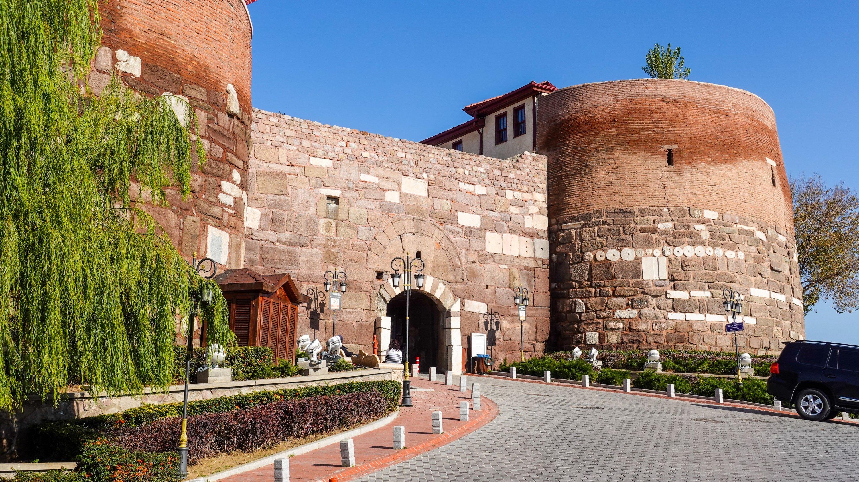 The entrance to the citadel. (Photo by Argun Konuk)