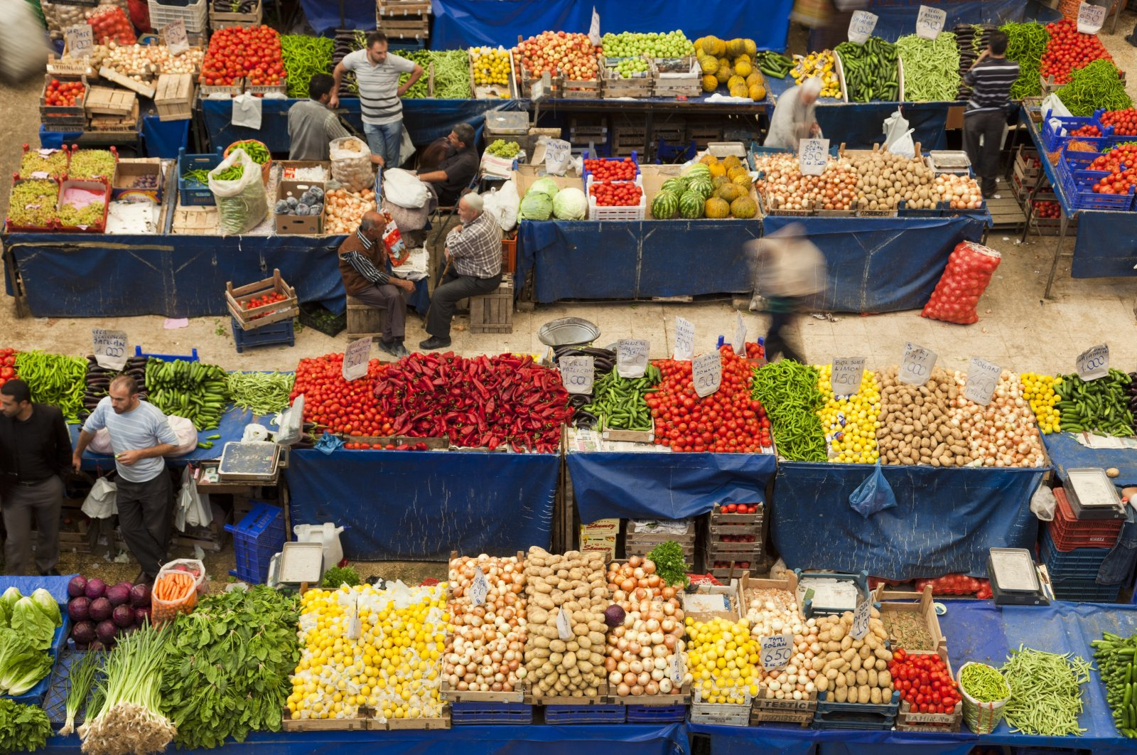 An aerial view of a local fruit and vegetable bazaar in central Konya province, Turkey, May 20, 2020. (Getty Images )