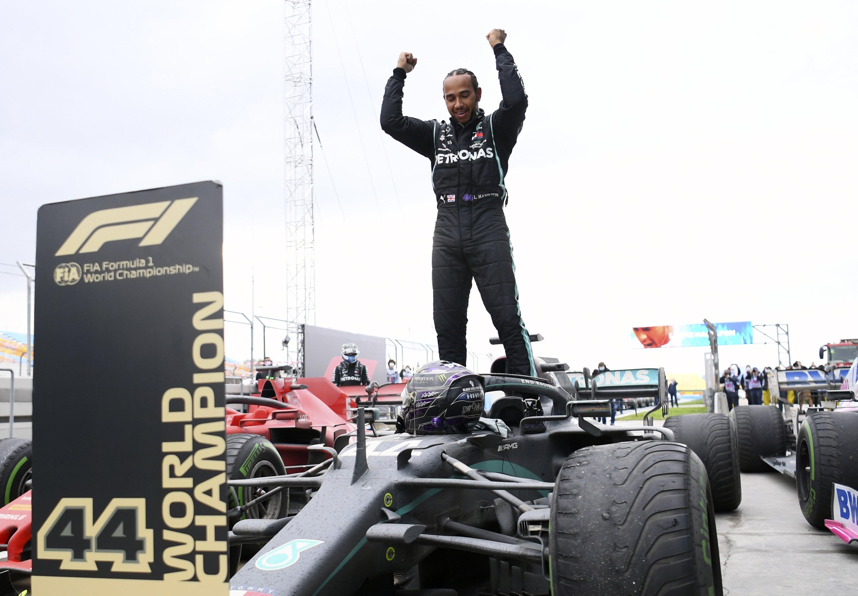 Hamilton Wins Turkish Grand Prix To Grab Record Equaling 7th Title Daily Sabah