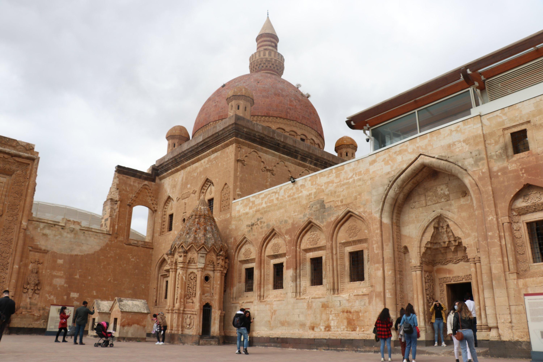 Le palais d'Ishak Pacha est l'un des exemples exclusifs de l'architecture ottomane, Ağrı, dans l'est de la Turquie, le 13 novembre 2020. (PHOTO AA)