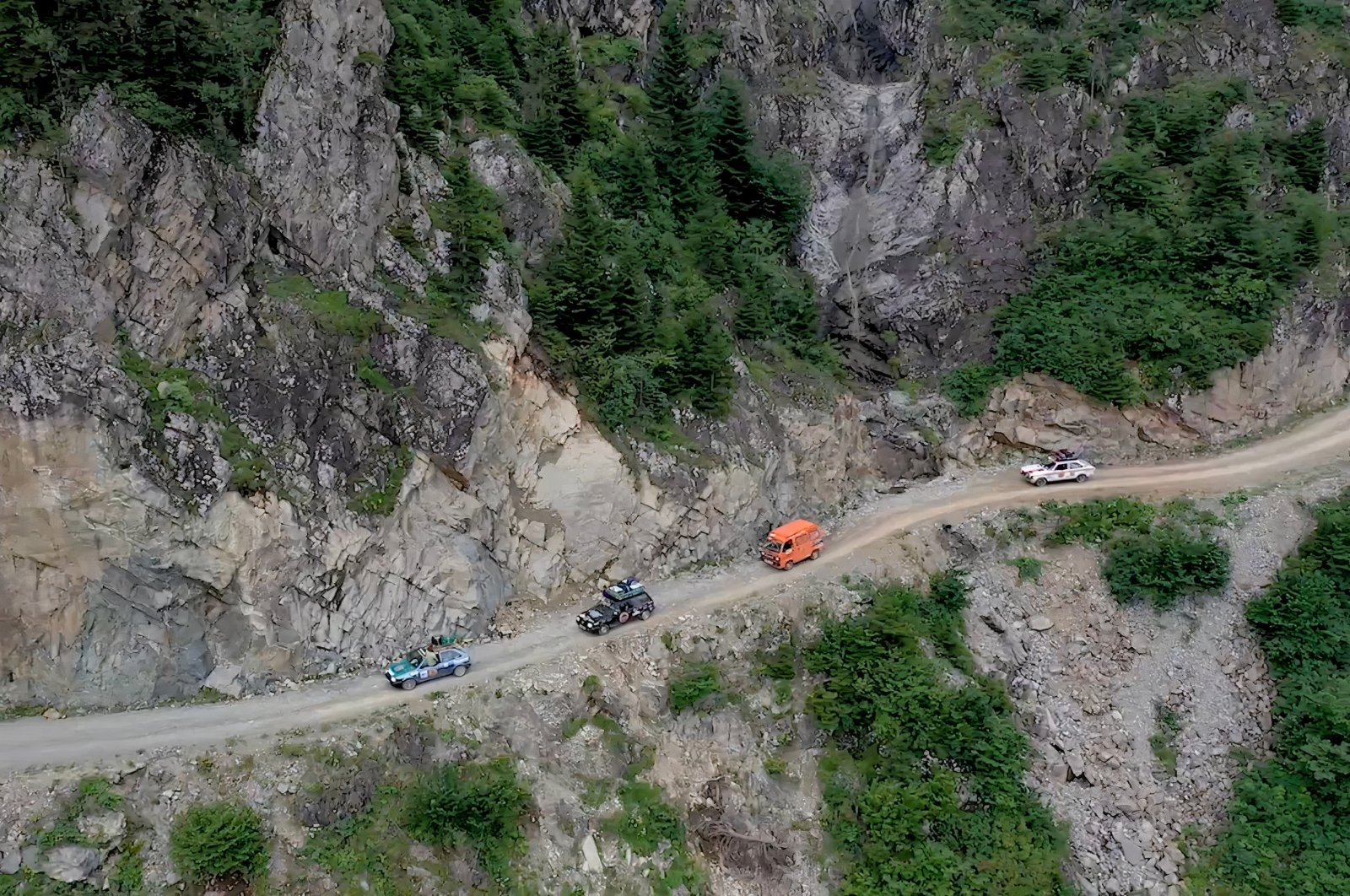 Cars drive on the mountainous road connecting Black Sea provinces of Trabzon and Bayburt, Turkey, Nov. 15, 2020. (DHA Photo)