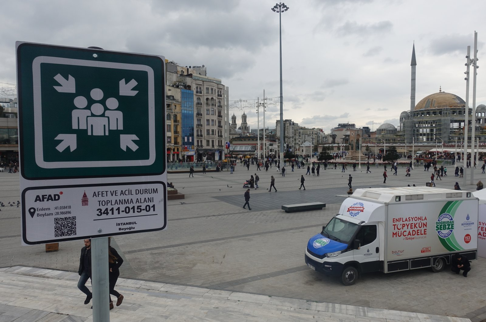 A sign indicates an emergency meeting area at Istanbul's Taksim Square, Turkey, Feb. 14, 2019. (AA Photo)