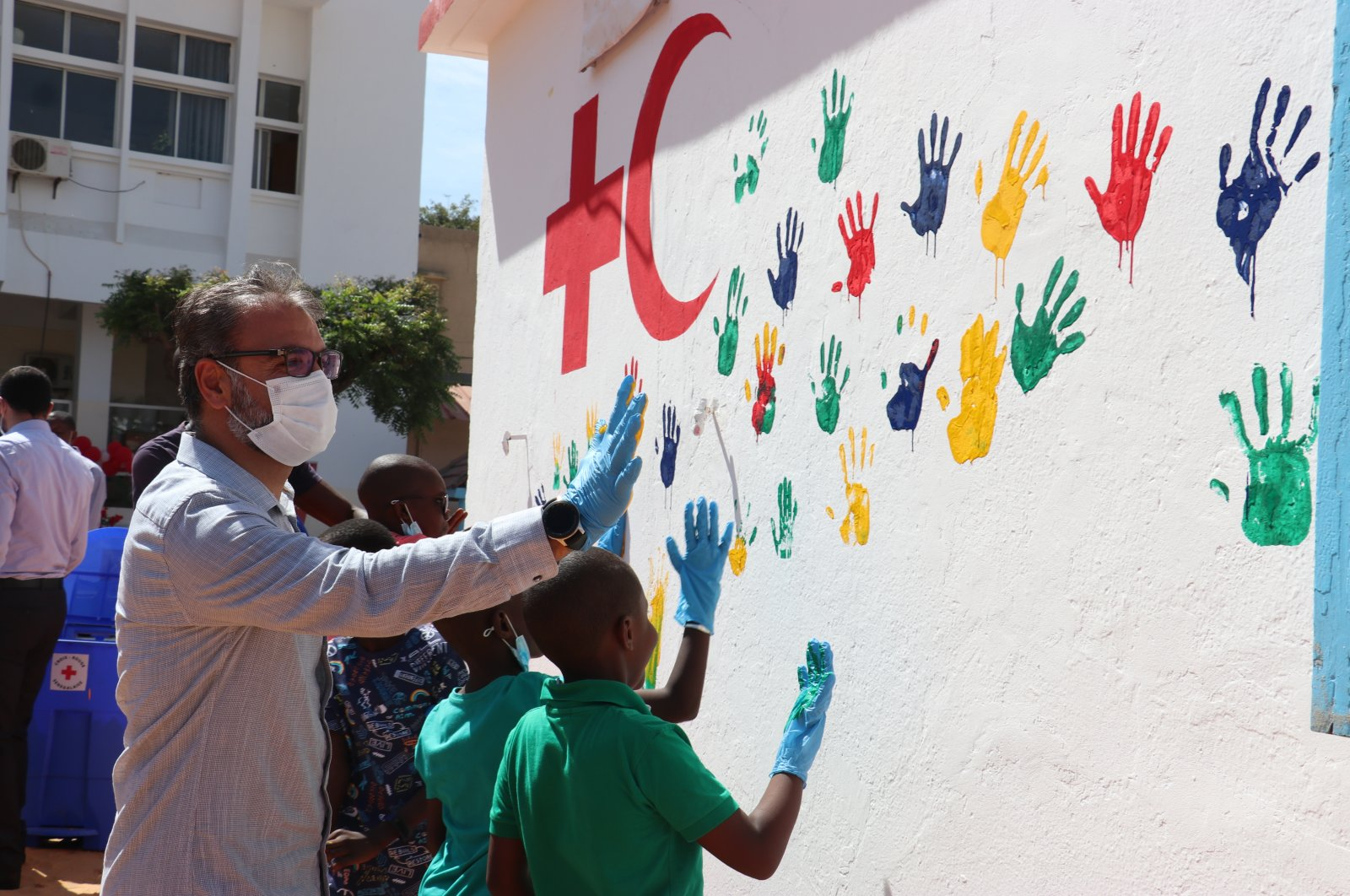 The Turkish Red Crescent's Senegal delegation renovated the Roosevelt kindergarten in the capital Dakar, Nov. 16, 2020 (AA Photo)