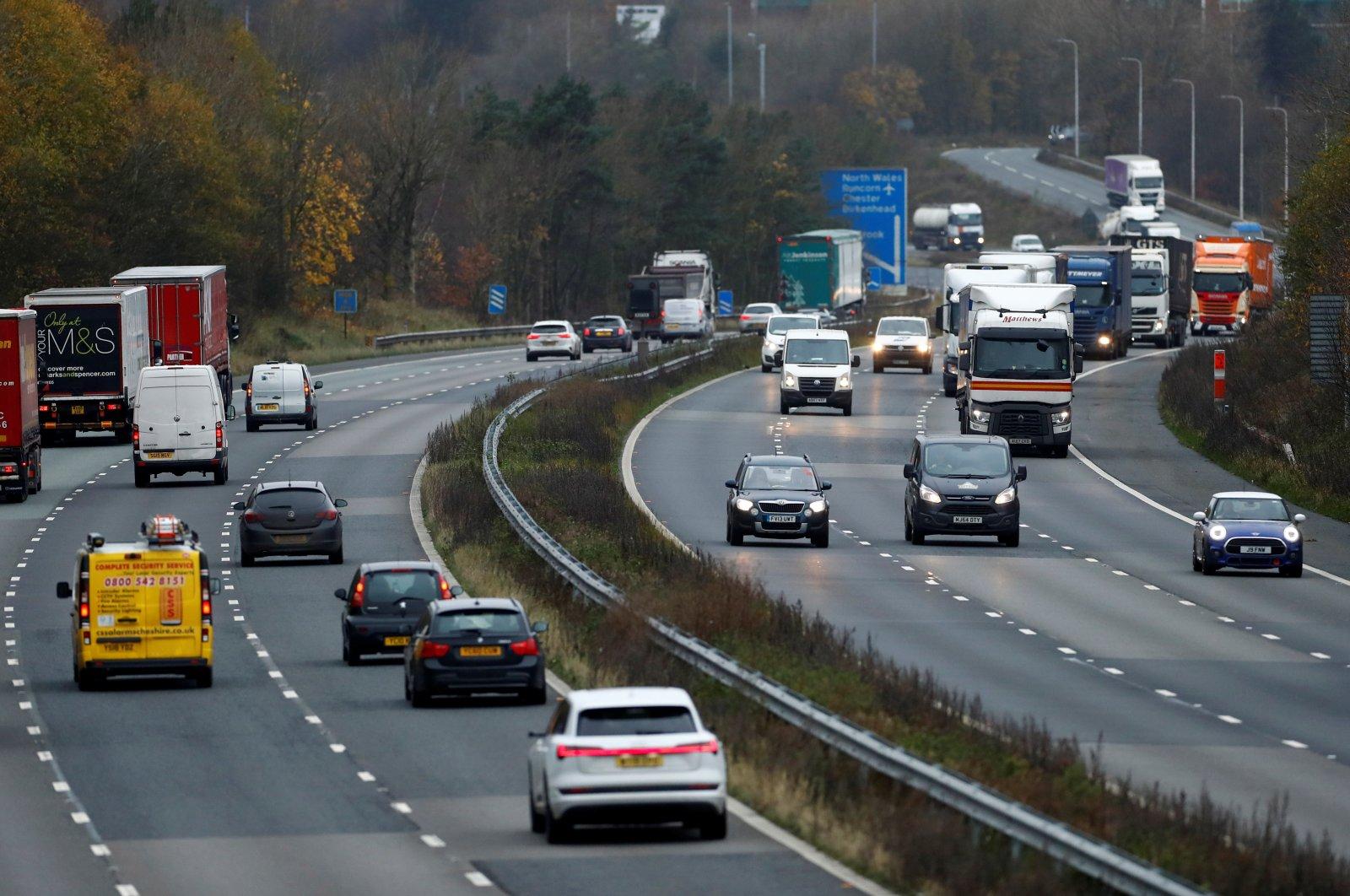 Vehicles on the M56 near Daresbury, in Cheshire, the U.K., Nov. 18, 2020. (Reuters Photo)