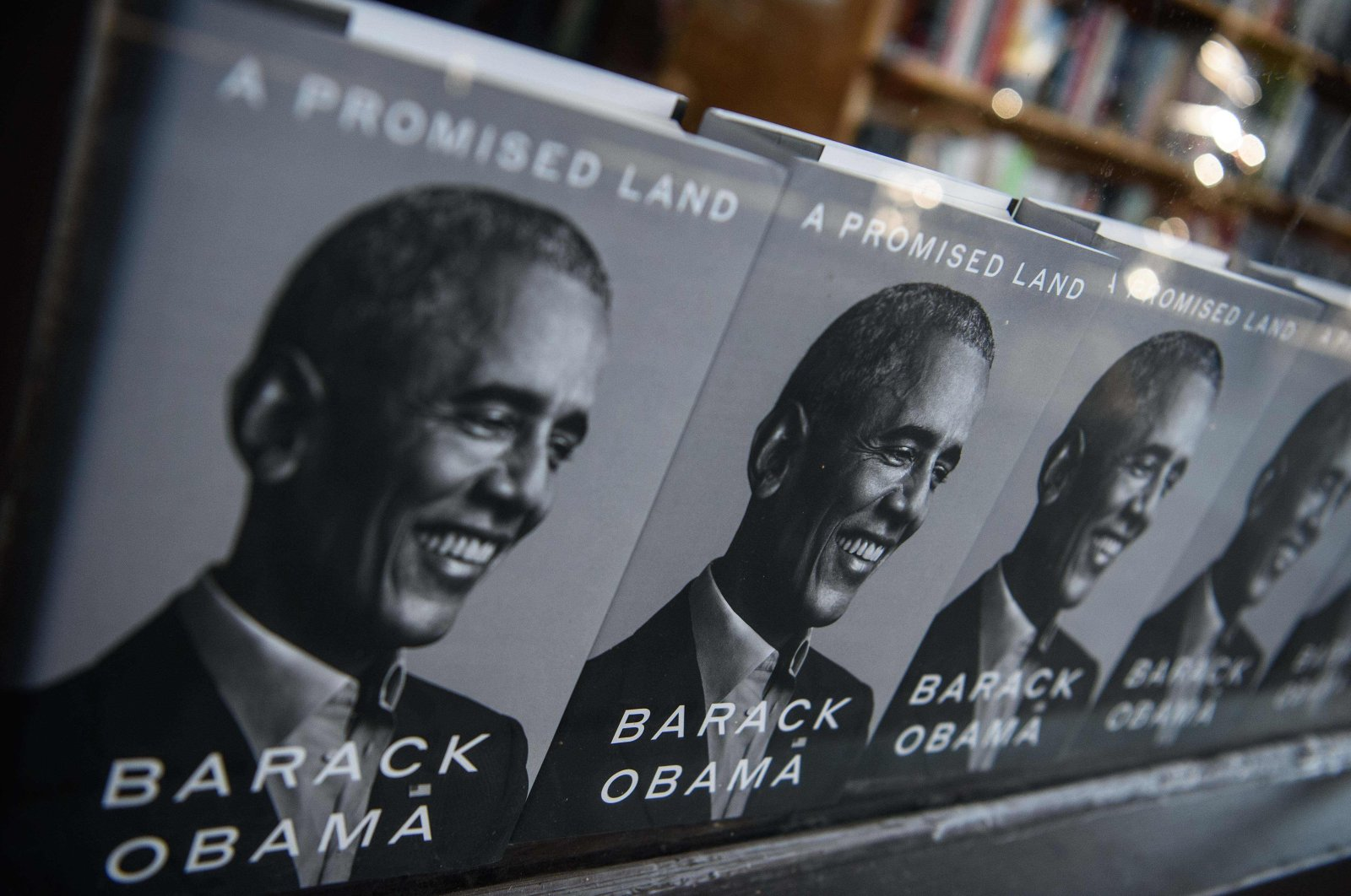 """Former U.S. President Barack Obama's new book """"A Promised Land"""" is seen in a bookstore in Washington, D.C., on Nov. 17, 2020. (AFP Photo)"""
