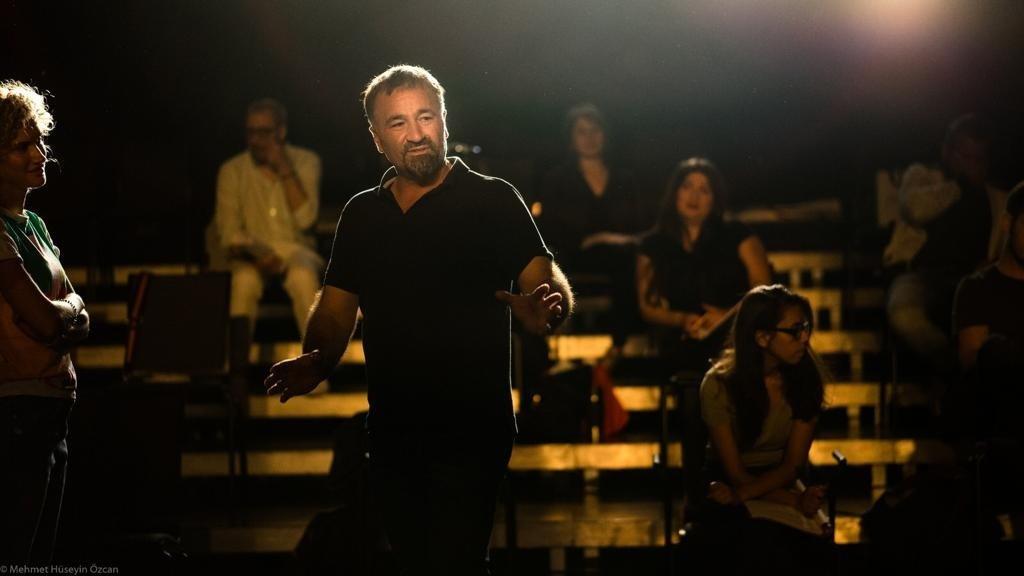Kamil Kellecioğlu is seen during a performance in Frankfurt, Germany, Nov. 17, 2020. ( AA Photo)