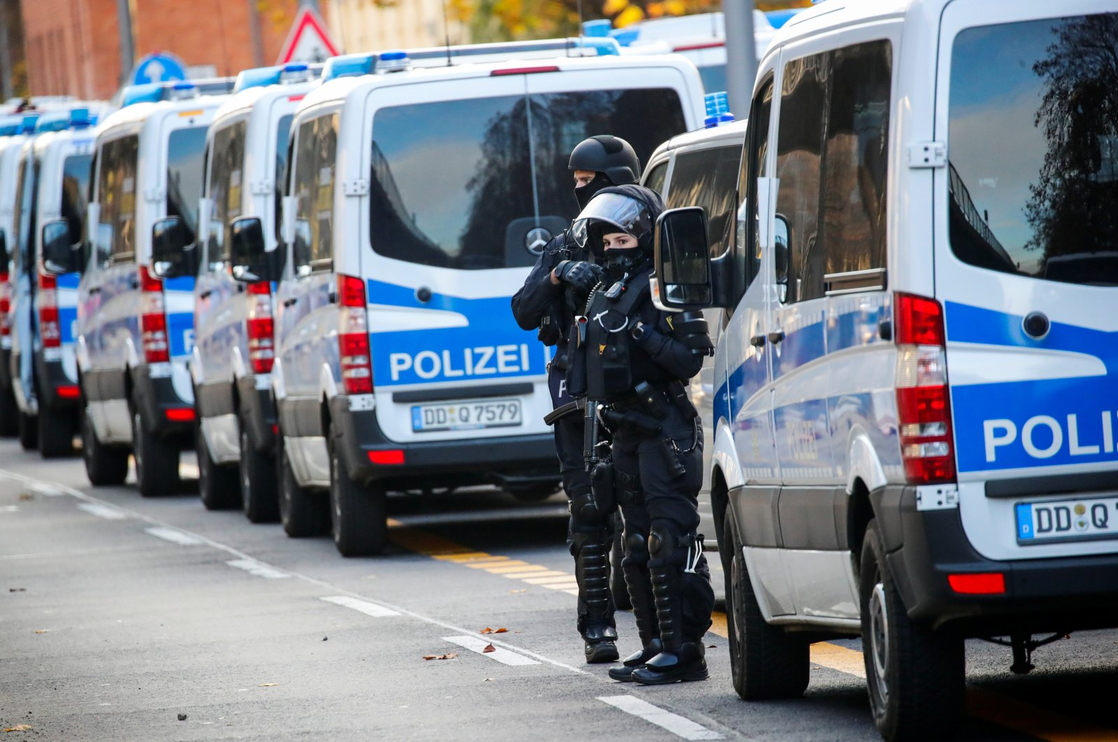 German police officers secure the area during raids in Berlin, after thieves grabbed priceless jewels from the historic Green Vault museum (Gruenes Gewoelbe) in the city of Dresden last year, in Germany, November 17, 2020. (Reuters File Photo)