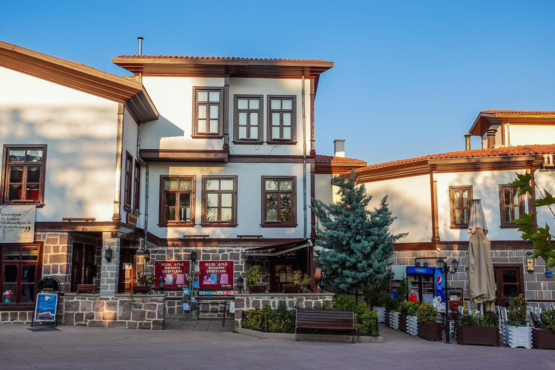 Les magasins du quartier de Hacı Bayram.  (Photo par Argun Konuk)