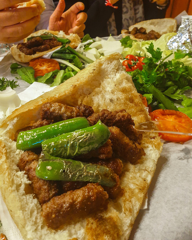 The köfte sandwiches offered at Üstünel Meatball Shop. (Photo by Argun Konuk)