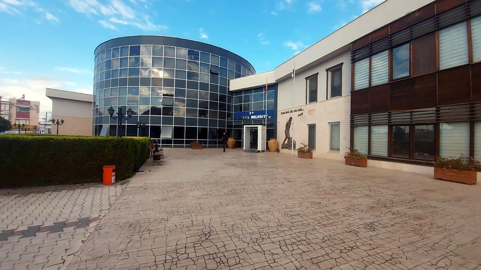 The Menemen Municipality building in Izmir, western Turkey, Nov. 20, 2020. (DHA Photo)