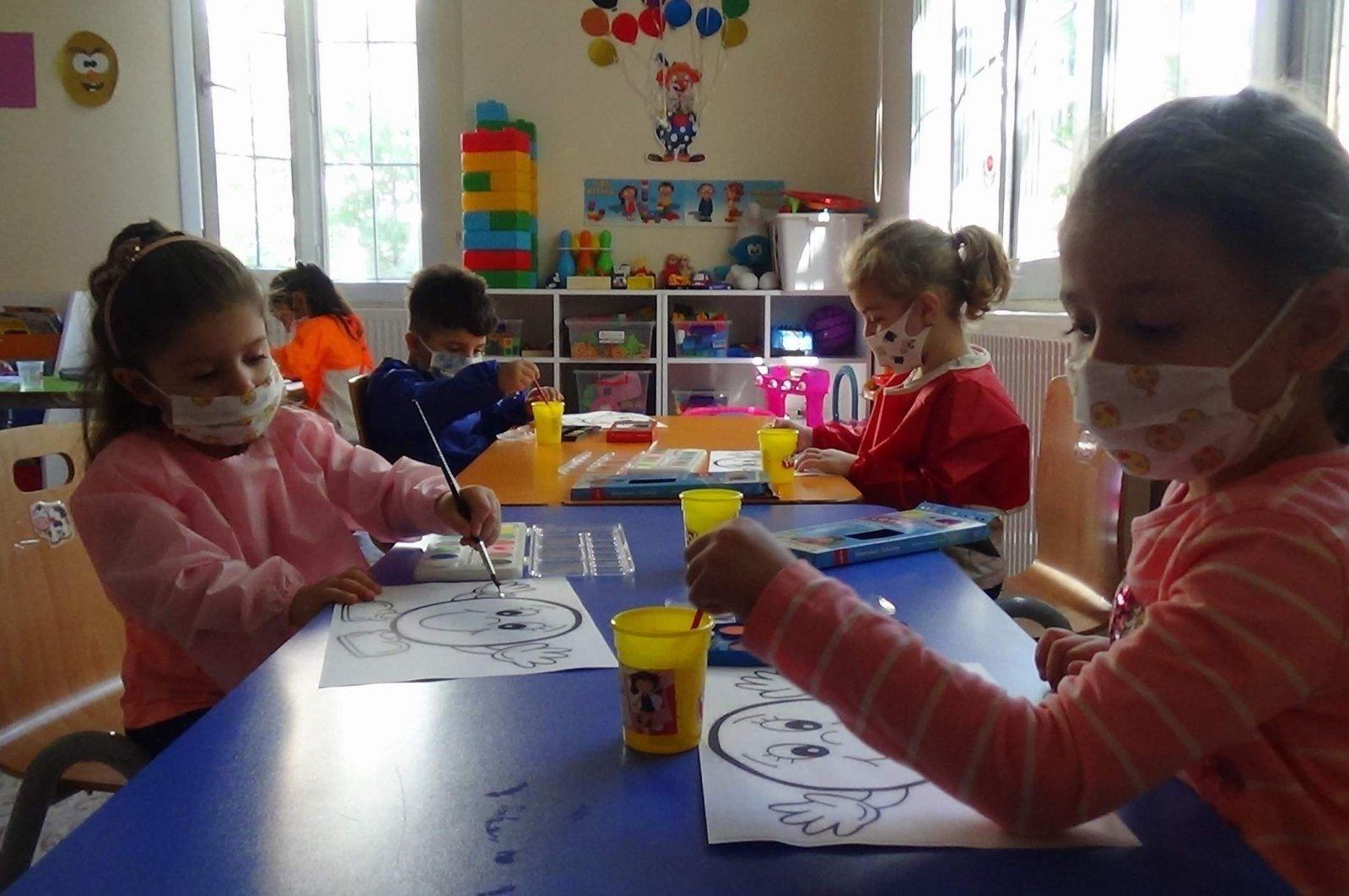 Preschool students at a school in Siirt, eastern Turkey, Oct. 21, 2020. (IHA Photo)