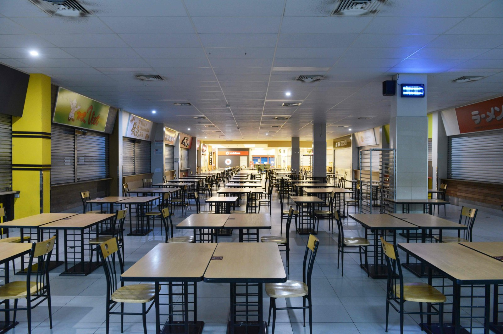 An empty food court in Adelaide during Day One of total lockdown across the state of South Australia, Australia, Nov. 18, 2020. (AFP Photo)