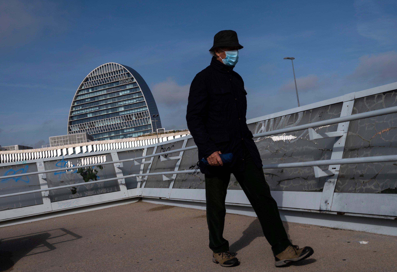 Spanish banks merge as economic outlook darkens thumbnail