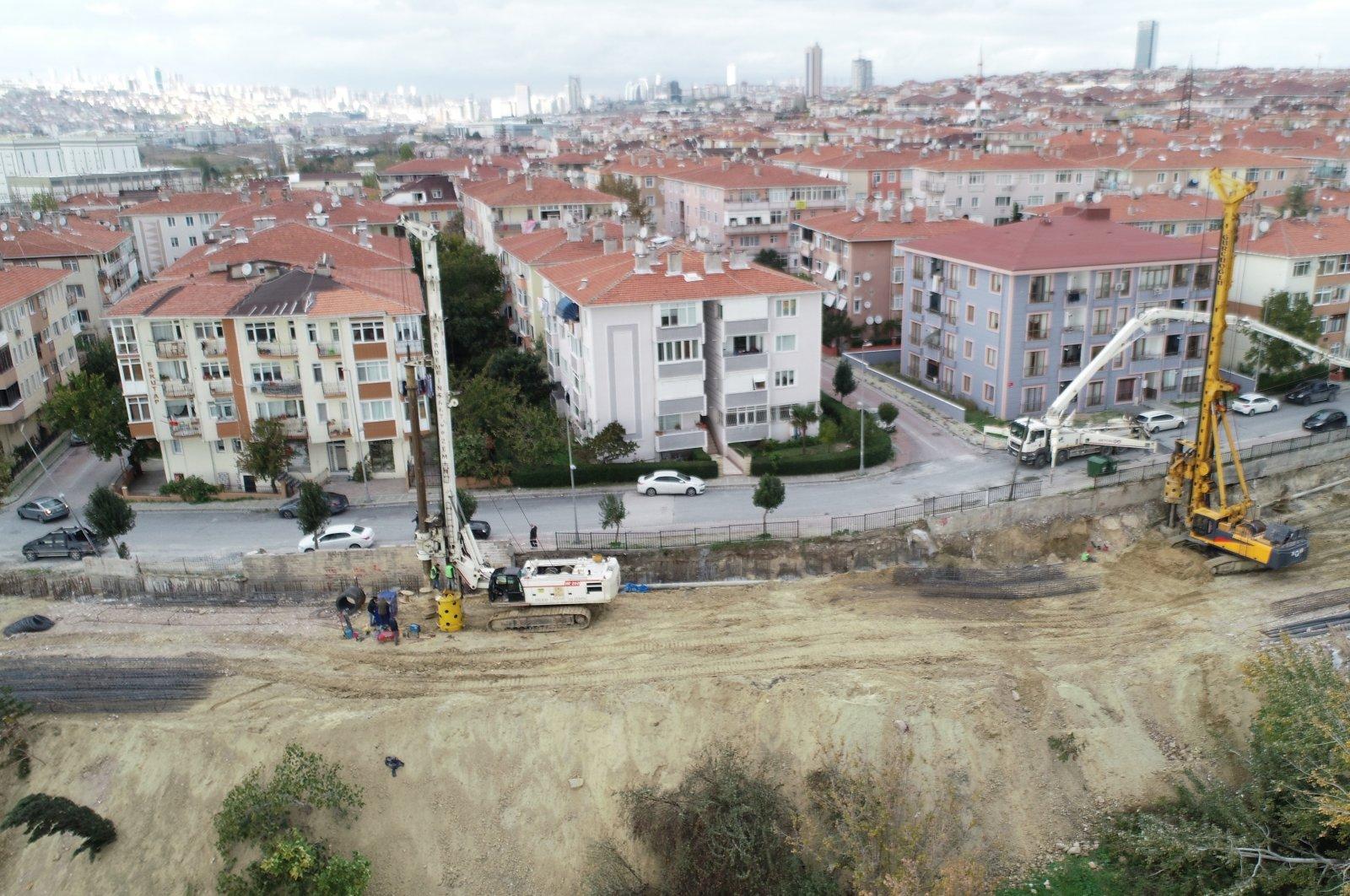 Workers install bored piles in the Ambarlı neighborhood, in Avcılar district, Istanbul, Turkey, Nov. 23, 2020. (DHA Photo)