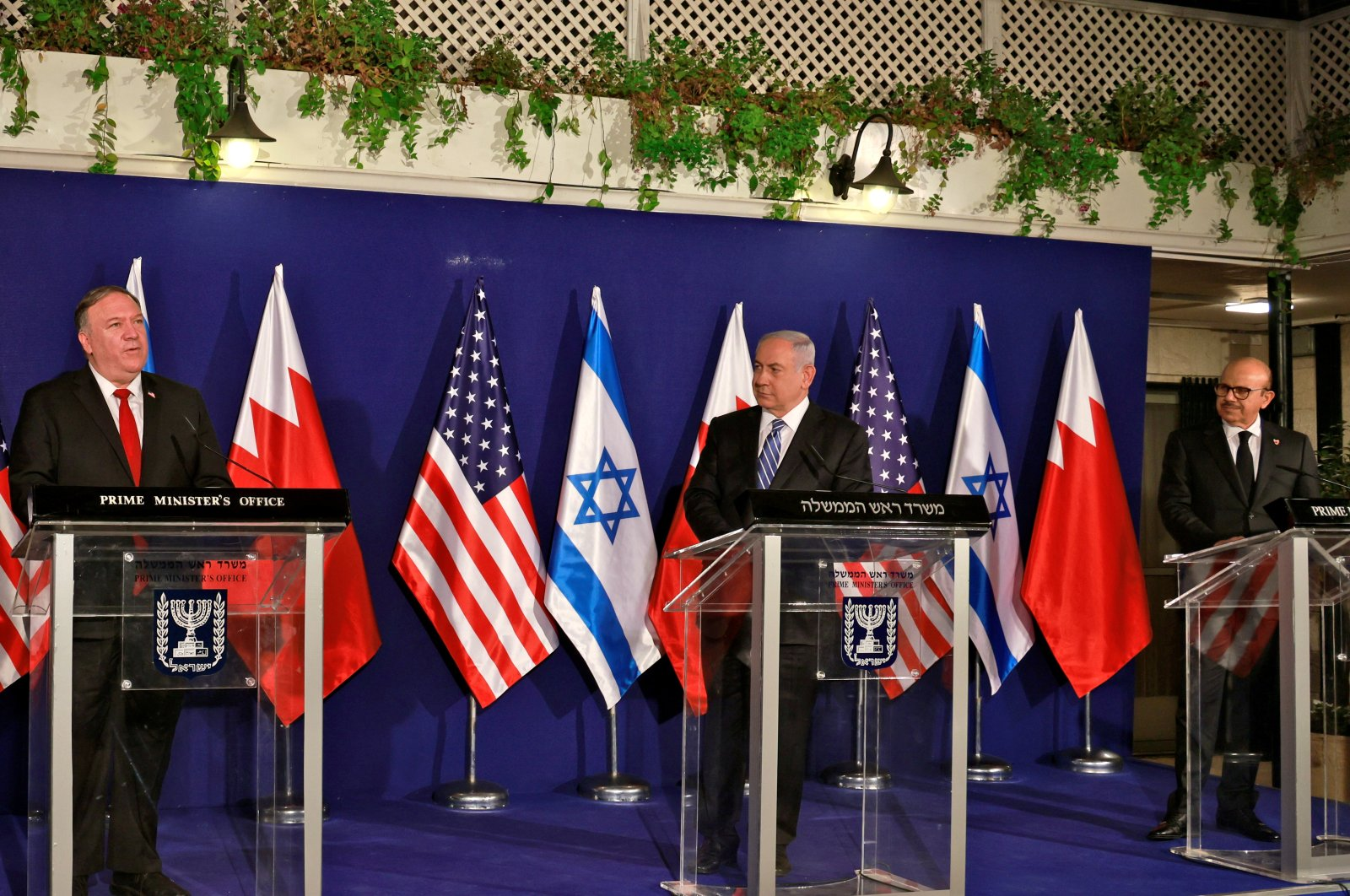 U.S. Secretary of State Mike Pompeo, Israeli Prime Minister Benjamin Netanyahu and Bahrain's Foreign Minister Abdullatif Al Zayani deliver joint statements during their meeting, Jerusalem, Nov. 18, 2020. (REUTERS Photo)