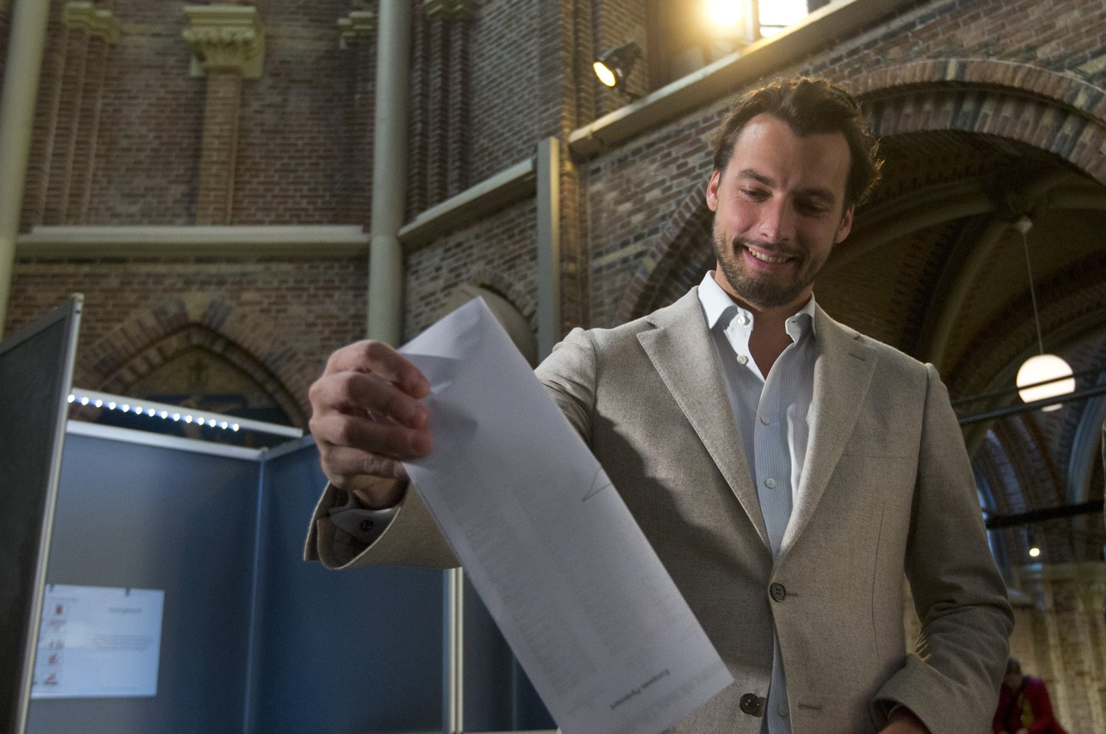 Thierry Baudet, leader of the populist party Forum for Democracy, casts his ballot for the European elections in Amsterdam, Netherlands, May 23, 2019. (AP Photo)