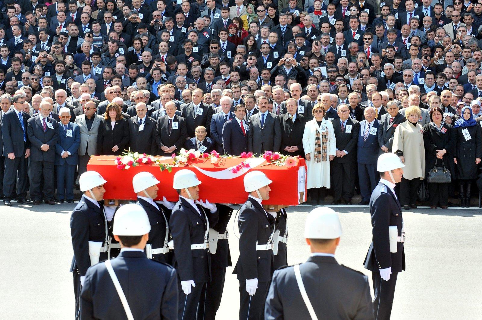 People attend Yazıcıoğlu's funeral at Parliament, in the capital Ankara, Turkey, Mar. 31, 2009. (AA Photo)