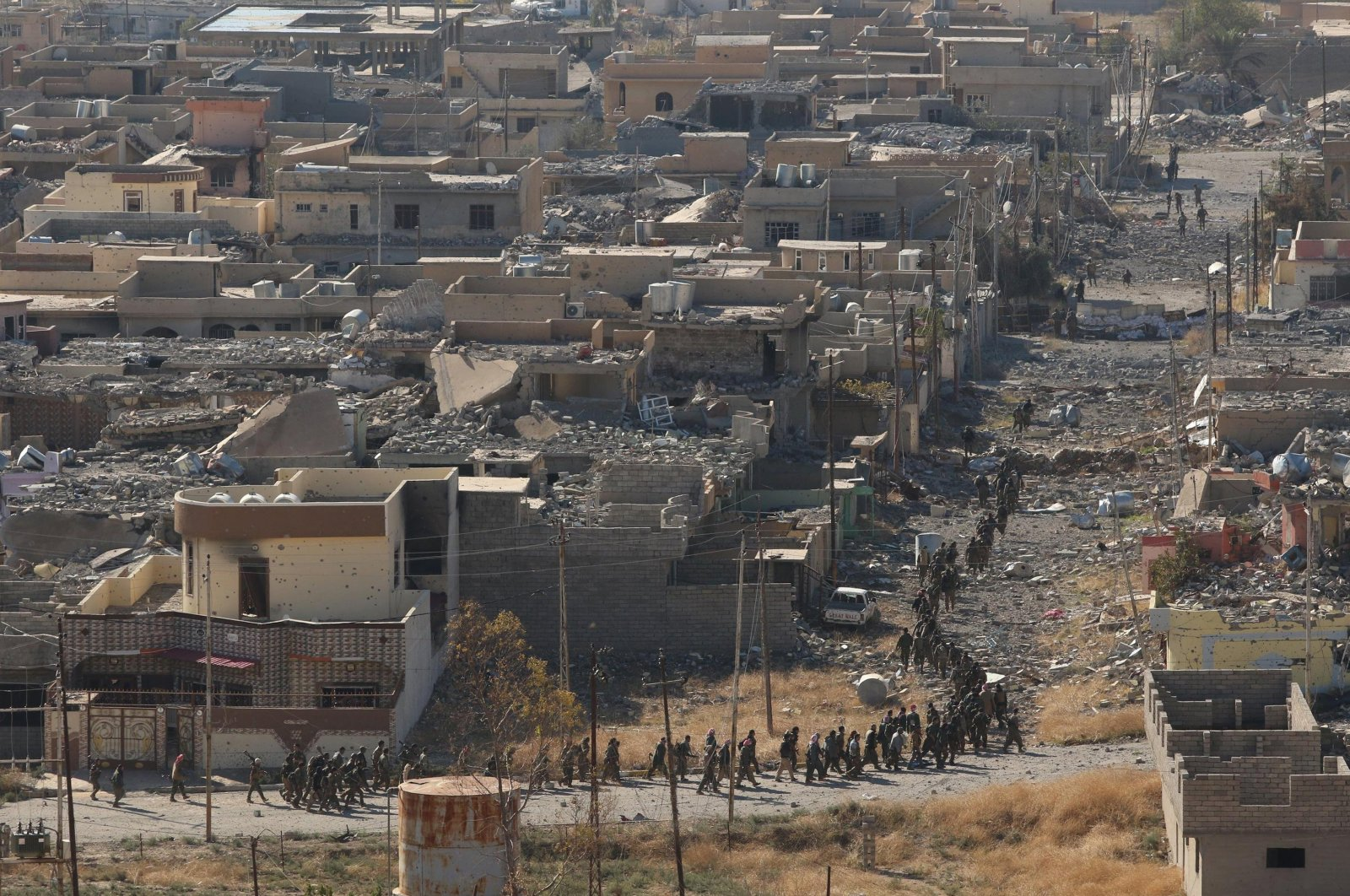 A view from the town of Sinjar during the clashes between Kurdish peshmerga forces and the Deash terror group militants, Iraq, Nov. 13, 2015. (REUTERS Photo)