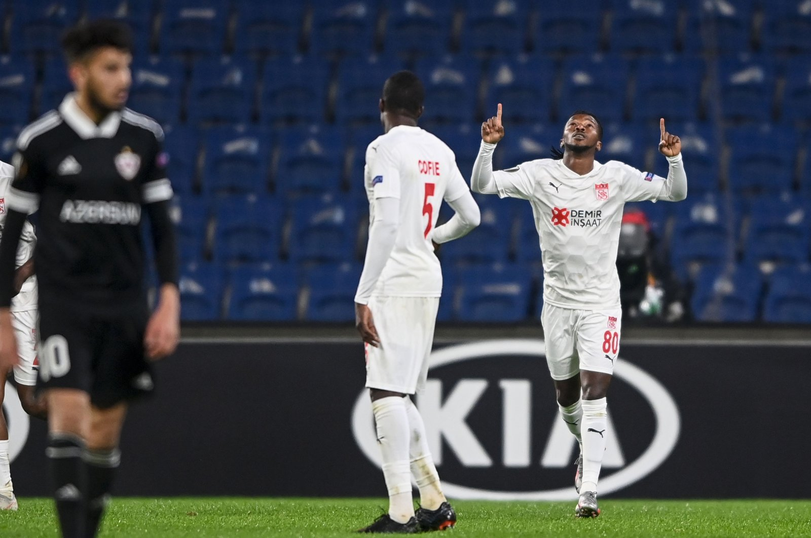 Sivasspor's Nigerian forward Olarenwaju Kayode (R) celebrates after scoring a goal during the UEFA Europa League group I football match between Qarabağ and Sivasspor at Fatih Terim Stadium in Istanbul, on Nov. 26, 2020. (AFP Photo)