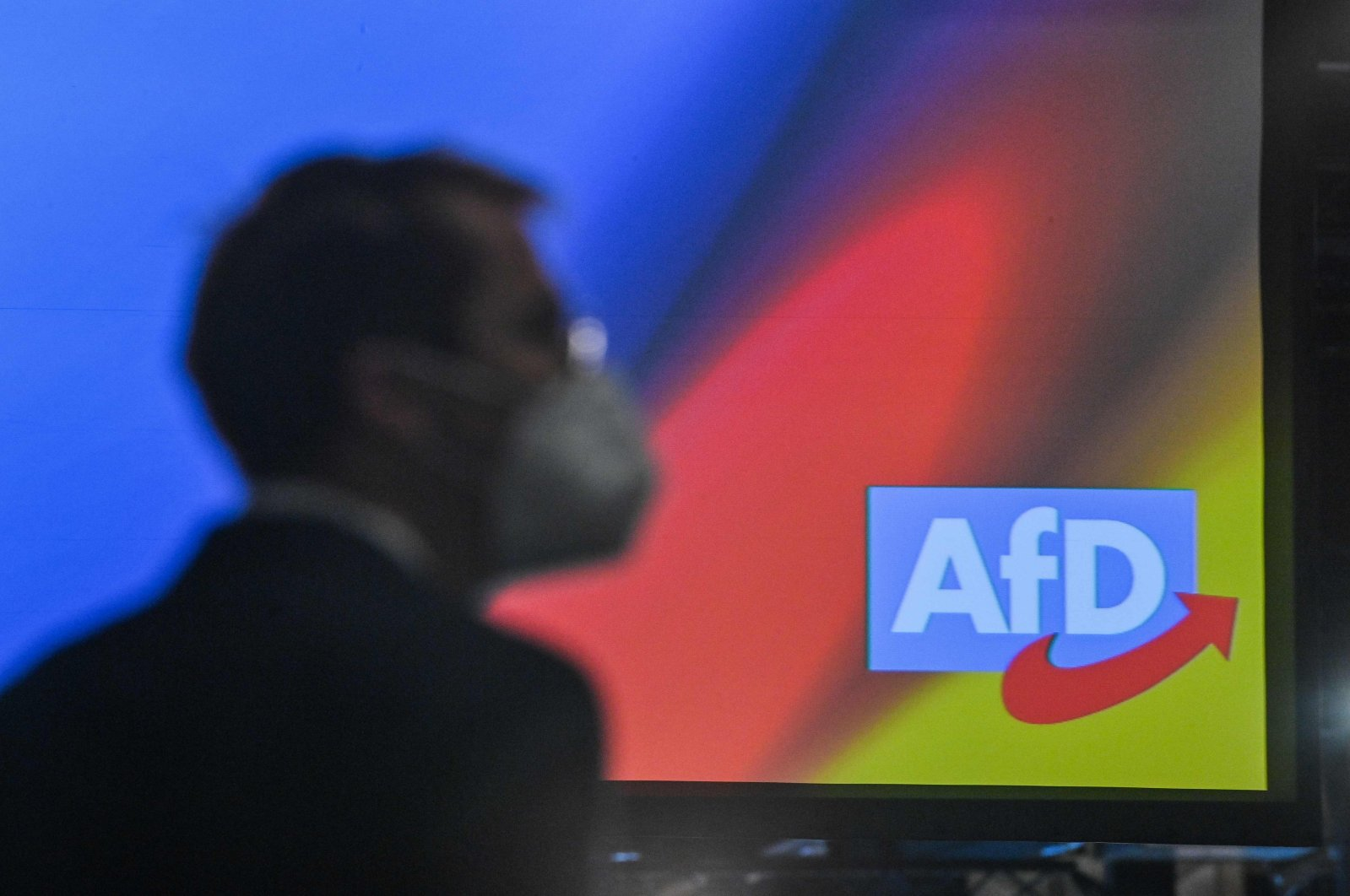 A delegate with a mask attends the party congress of far-right Alternative for Germany (AfD) at the Wunderland Kalkar in Kalkar, western Germany, Nov. 28, 2020. (AFP Photo)