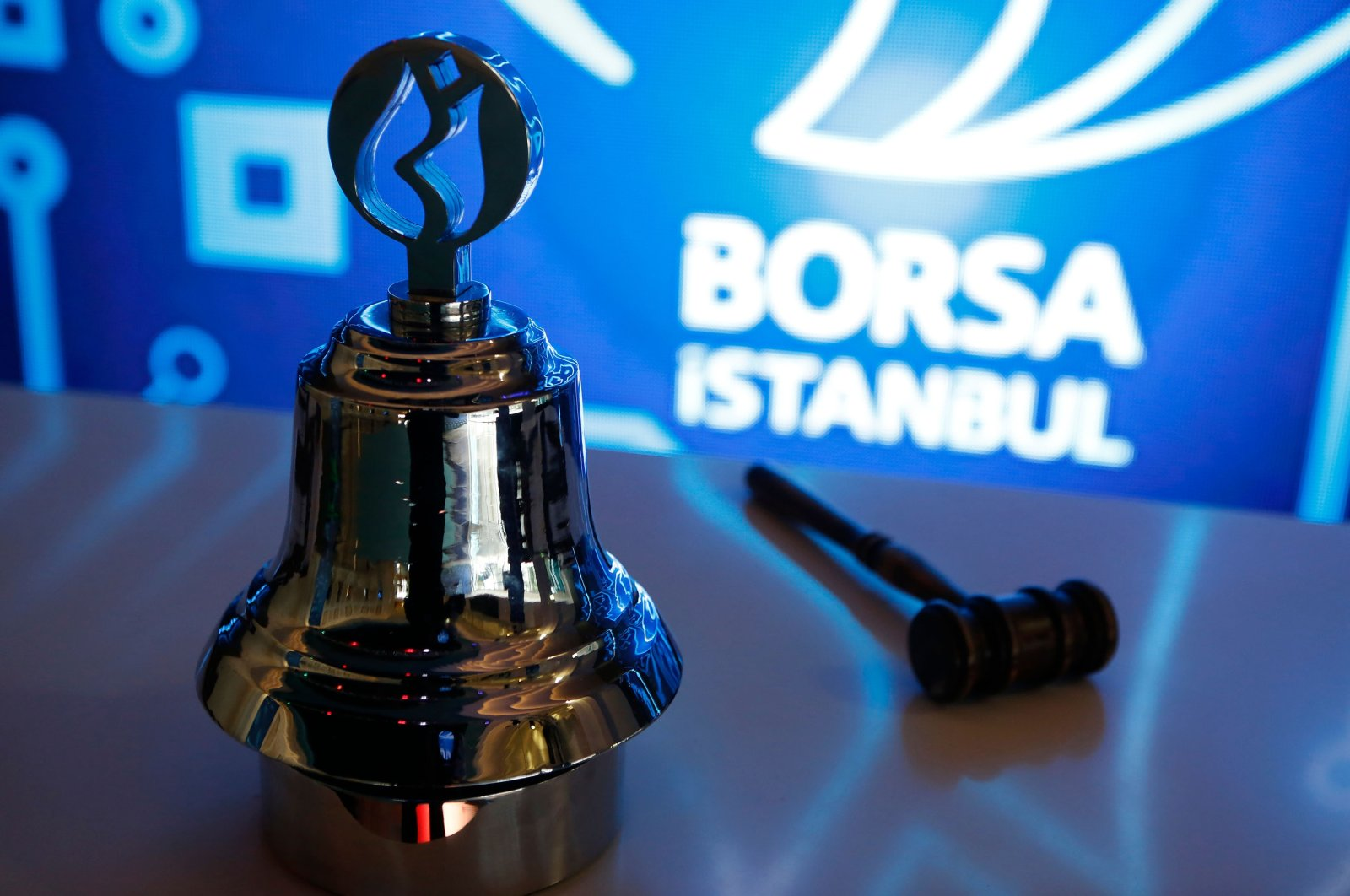 The gong of Borsa Istanbul, Turkey's stock exchange, features the traditional Ottoman symbol for the city, the tulip, in Istanbul, Turkey, Oct. 27, 2019.  (Shutterstock Photo)