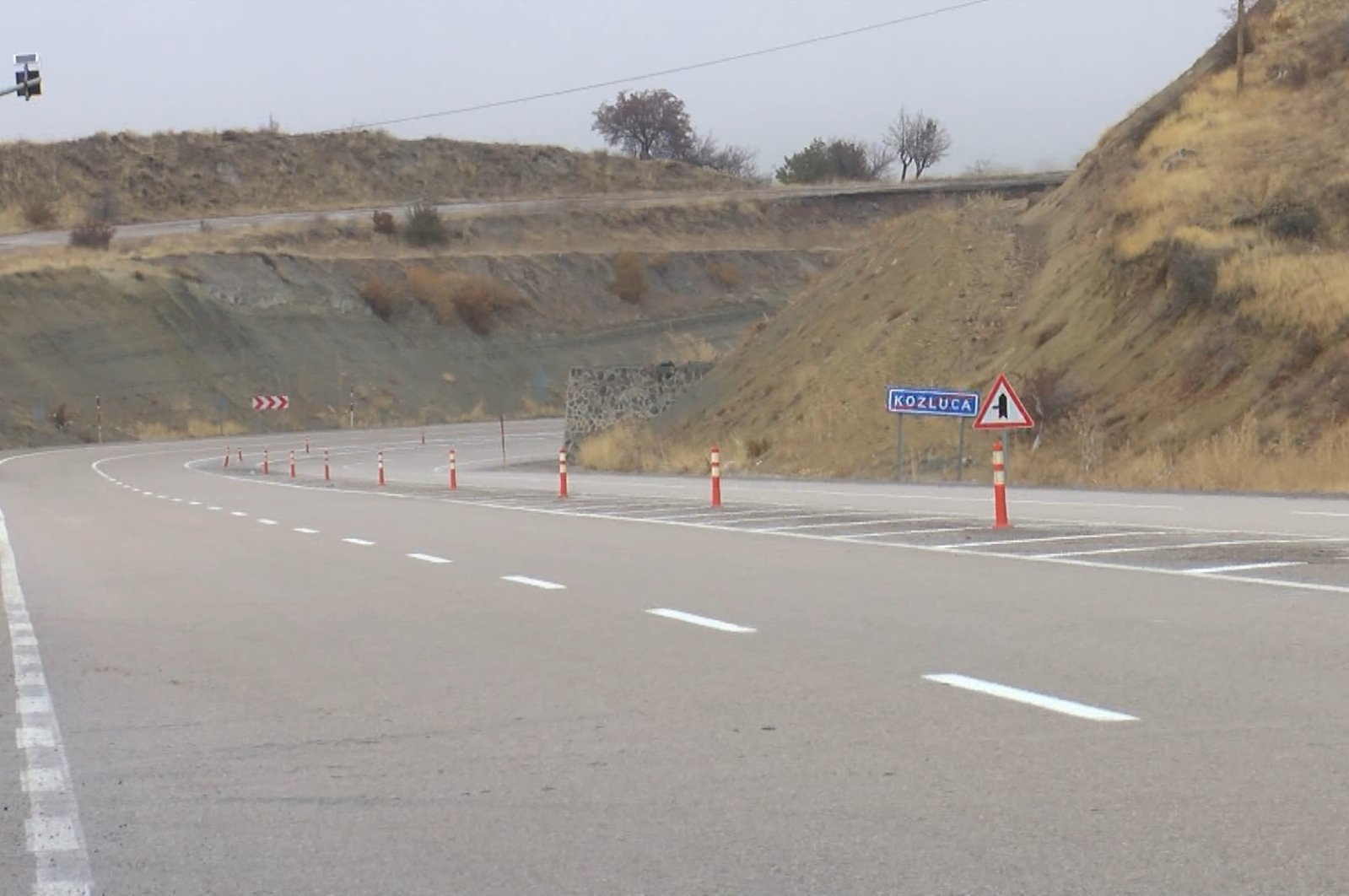 """A view of the stretch of the road called """"Death Road"""" in Malatya, eastern Turkey, Dec. 2, 2020.(DHA Photo)"""