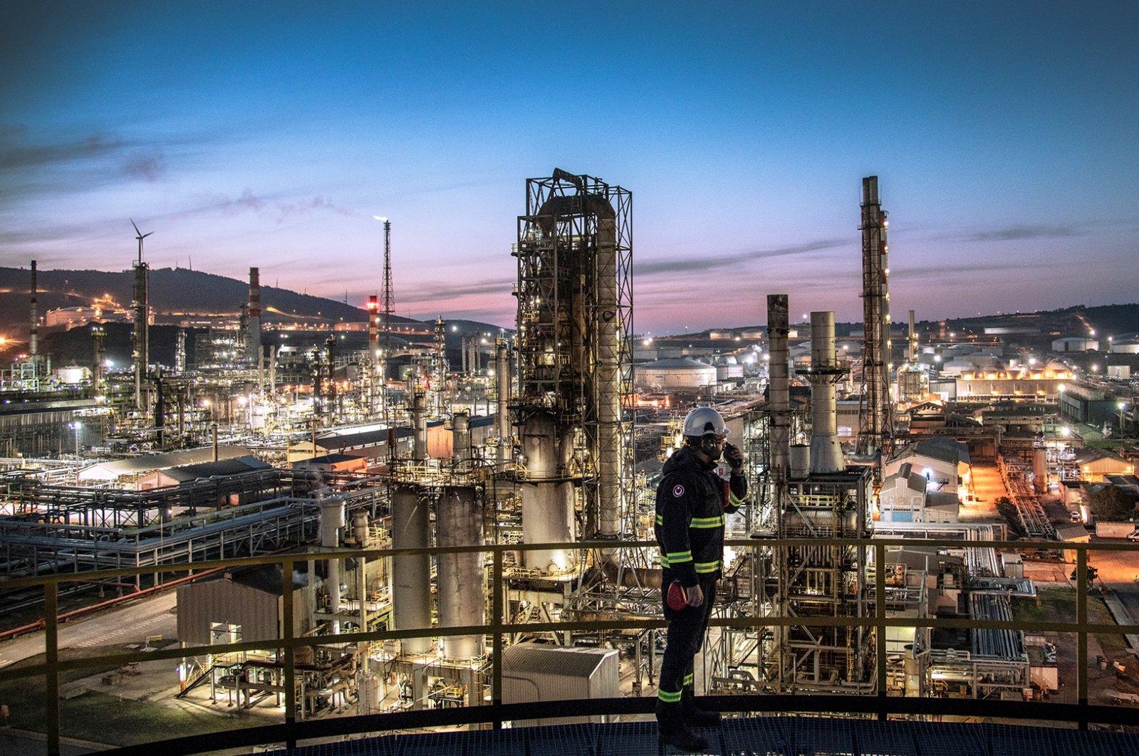 A worker is seen at Tüpraş's oil refinery in western Turkey's Izmir, May 15, 2018. (Photo courtesy of Tüpraş)