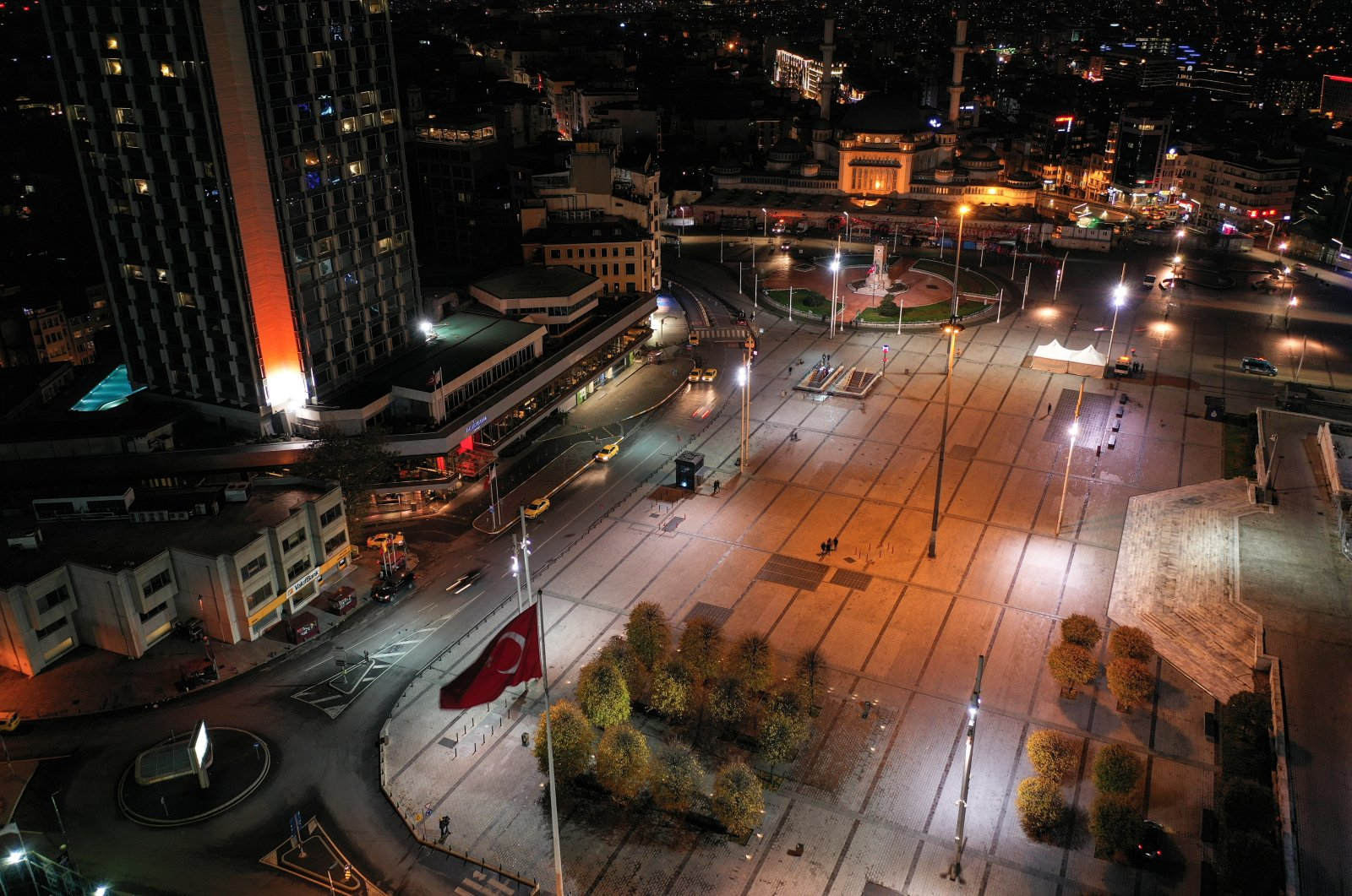 Drone footage of a deserted Taksim Square, a popular touristic neighborhood in Beyoğlu, Istanbul, during a nation-wide weekday curfew to combat the spread of COVID-19, Dec. 1, 2020. (Reuters Photo)